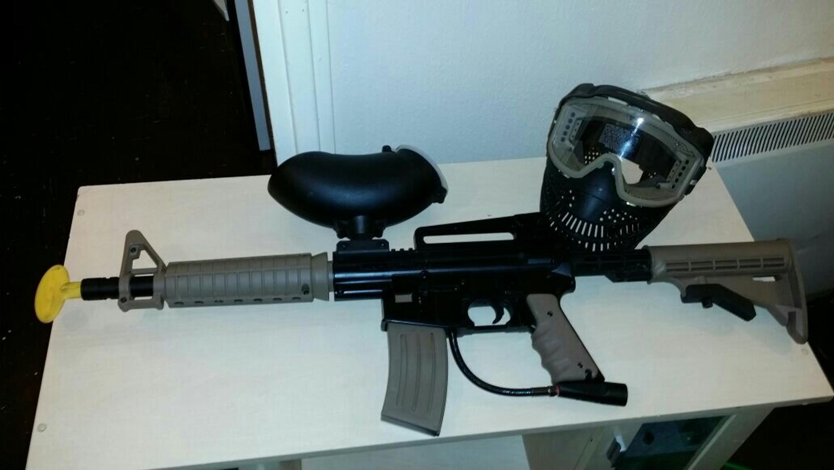 Paintball Gun With Exciting Range Of Accessories