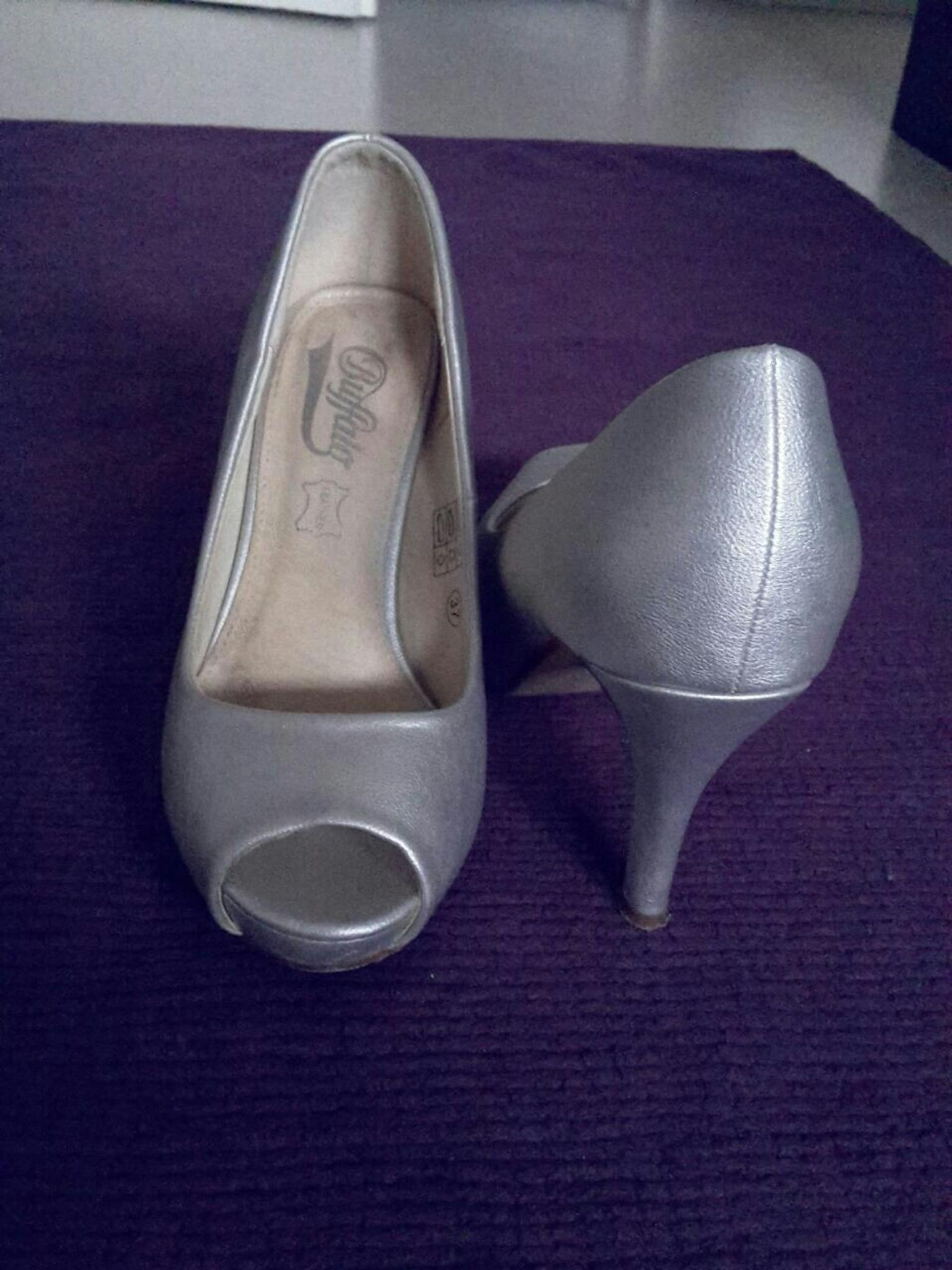 new style 0c08a 0e4a9 Buffalo Peeptoes Champagner/Silber