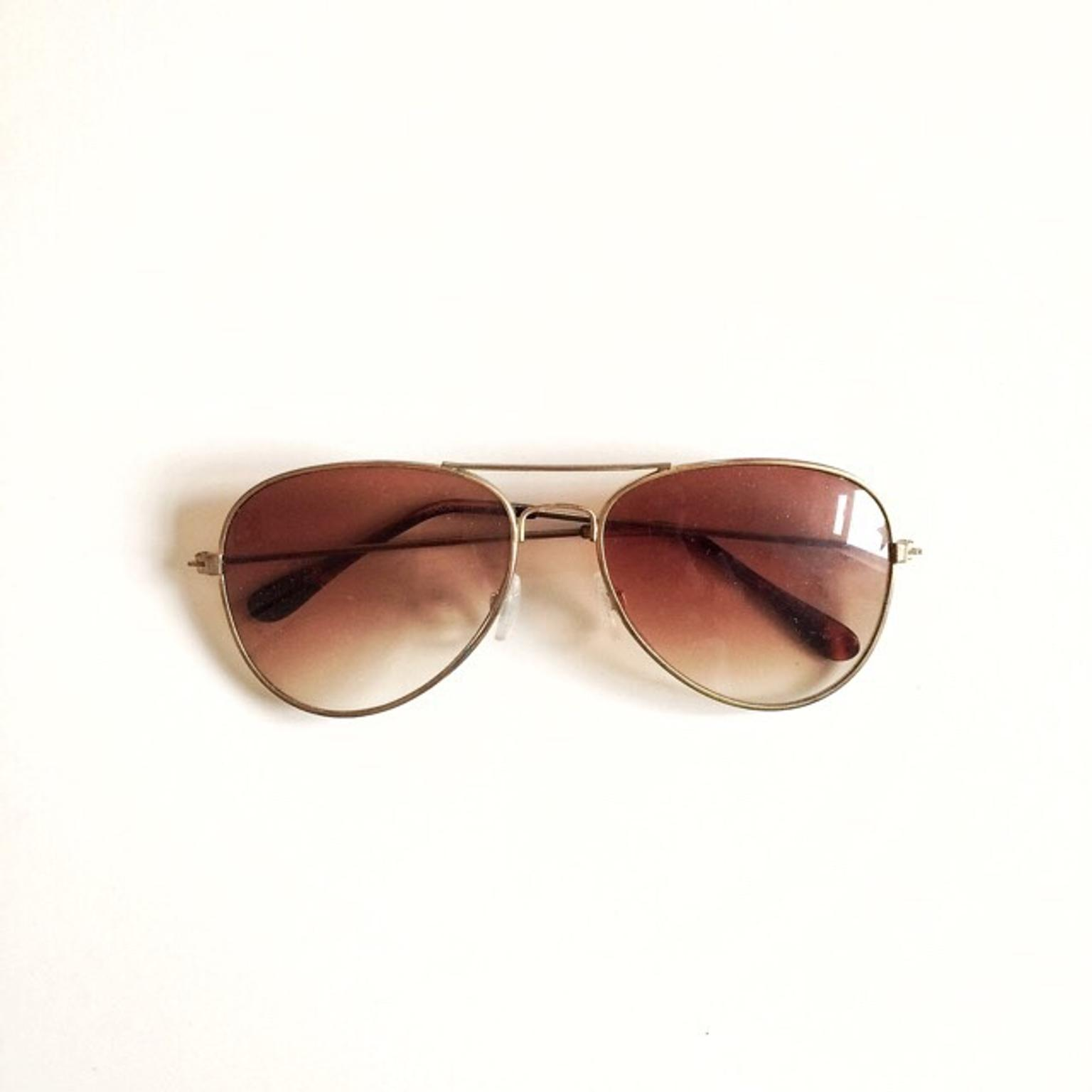 9b948adda912 Very good condition H&M aviator sunglasses in B16 Birmingham for £3.50 for  sale - Shpock