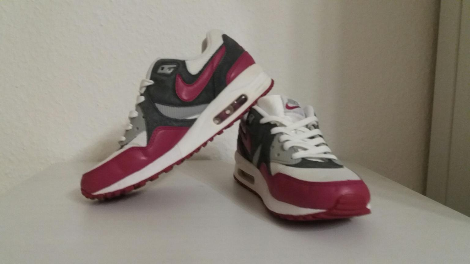 Nike Air Max in 24214 Gettorf for €45.00 for sale | Shpock