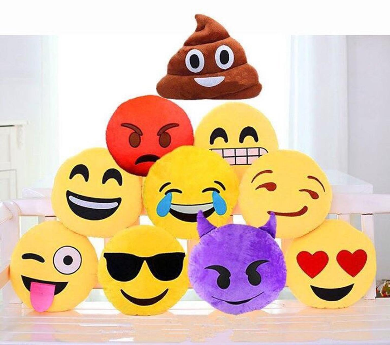 Cuscini Faccine Whatsapp.Cuscino Faccina Emotion Emoji Cuore Whatsapp In 24023 Clusone For