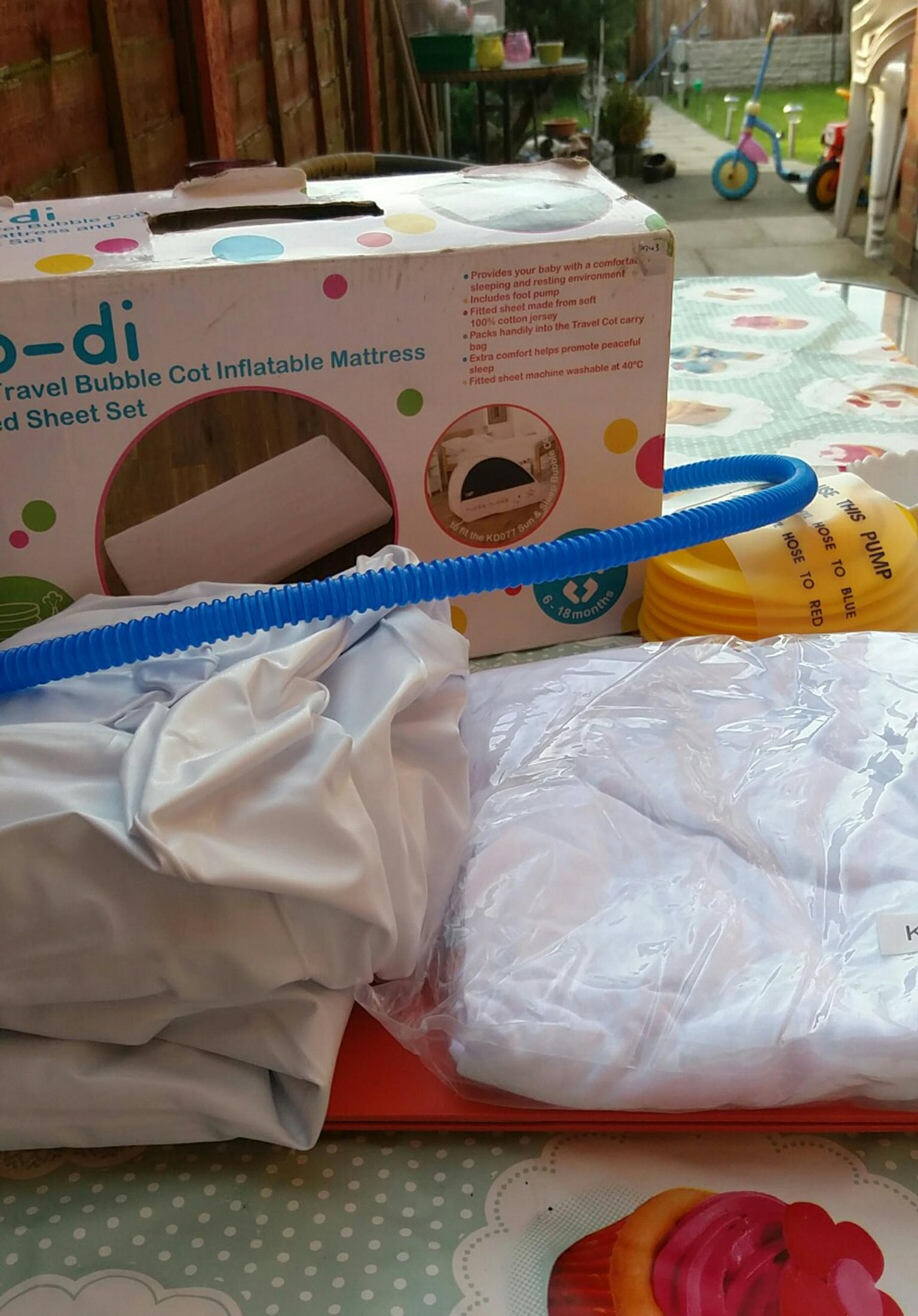 Koo-di Inflatable Mattress and Fitted Sheets Set for the Bubble Cot