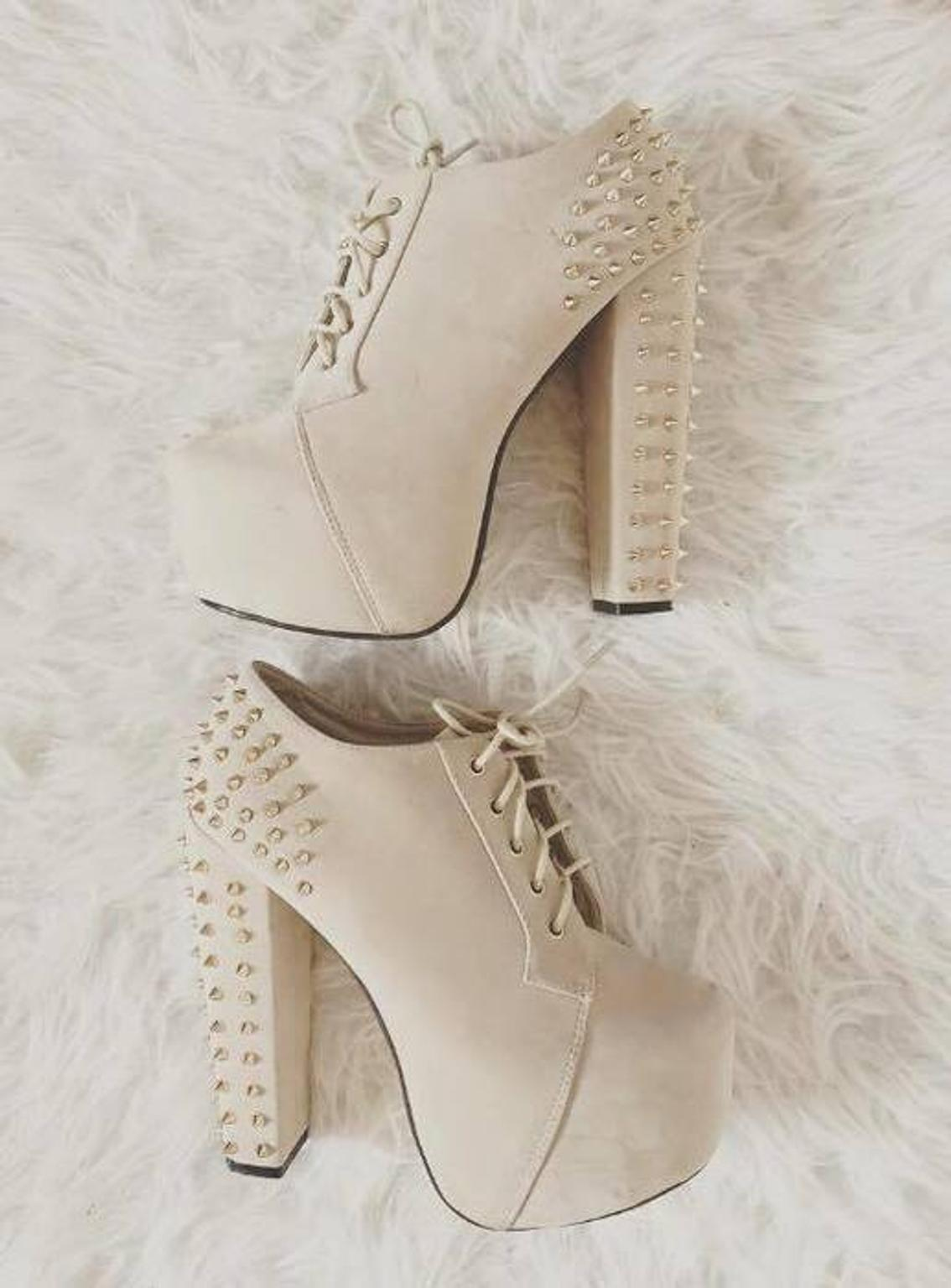 Plateau Ankle Boots Nieten High Heels Beige in 47138