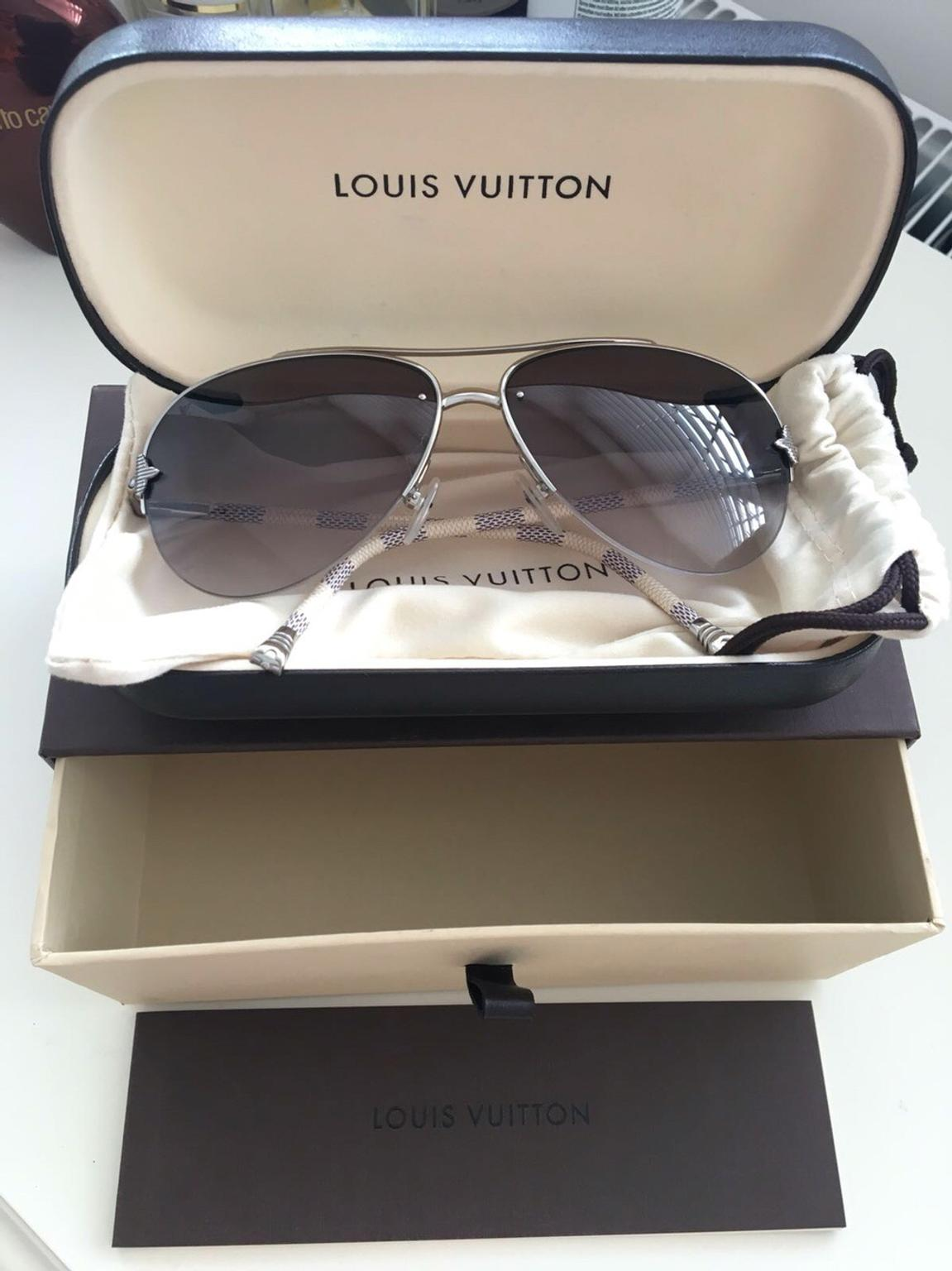 395333c9a25 Louis Vuitton PETITE VIOLA PILOTE sunglasses in KT1 East Molesey for  £260.00 for sale - Shpock