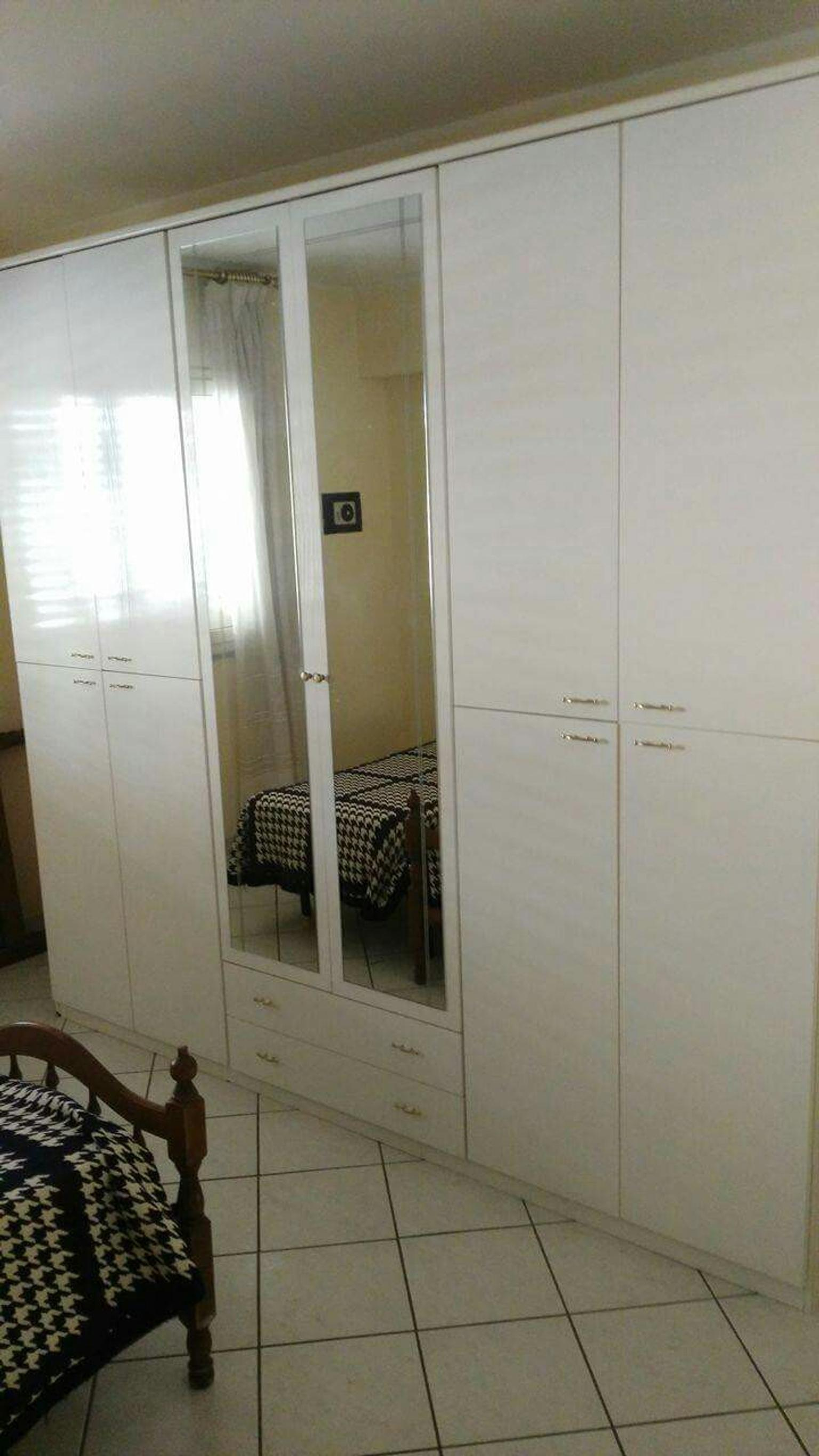 Armadio 6 ante 100 euro in 95122 Catania for €100.00 for sale - Shpock