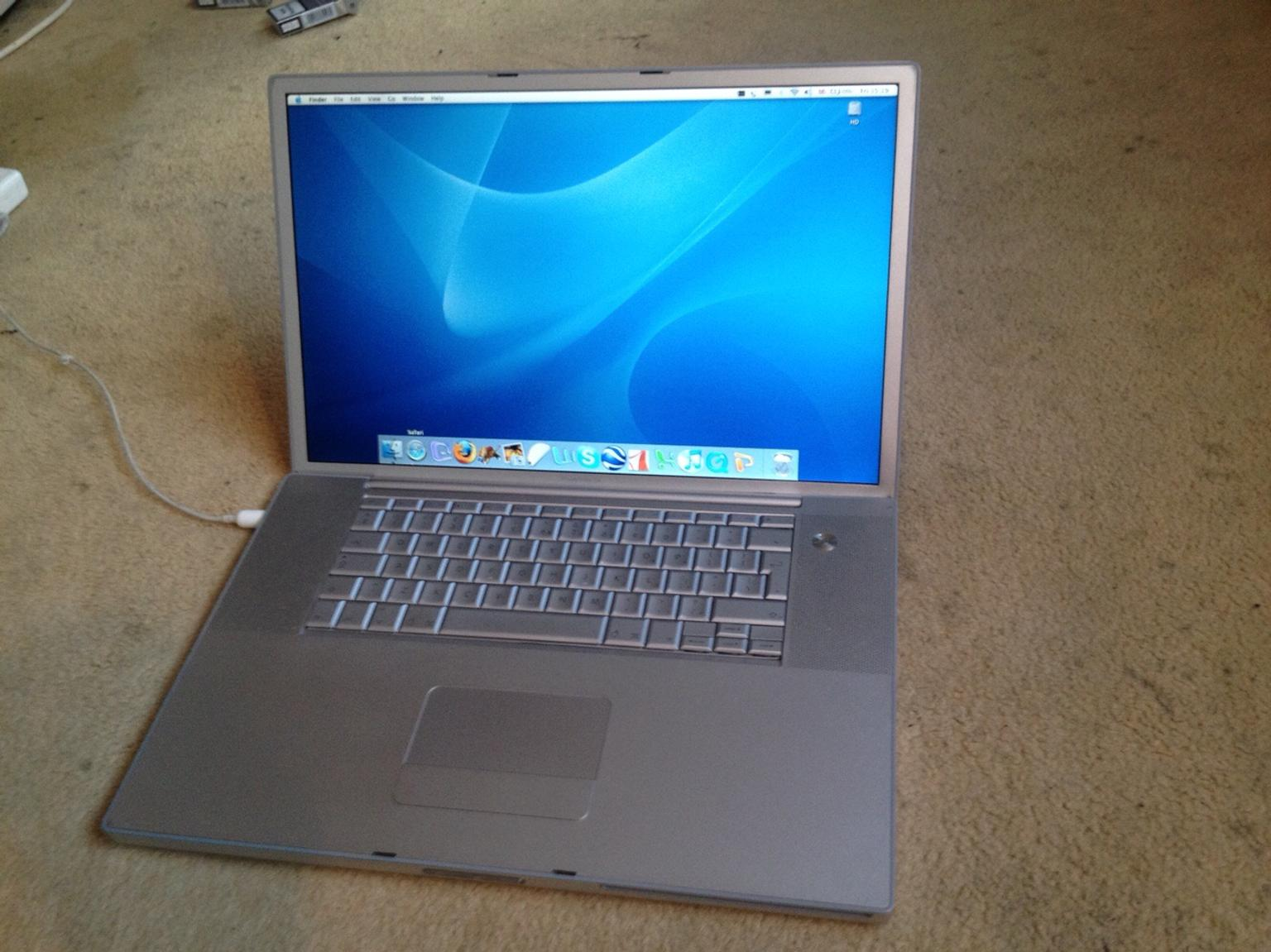 Super Apple Mac PowerBook G4 Laptop 17 inch screen in IG2 Ilford for FW-32