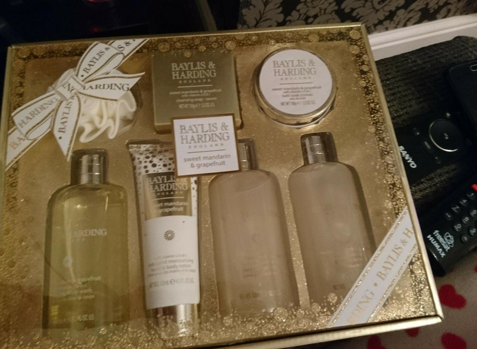 Brand New Baylis And Harding Vanilla Frosting Hand Cream For