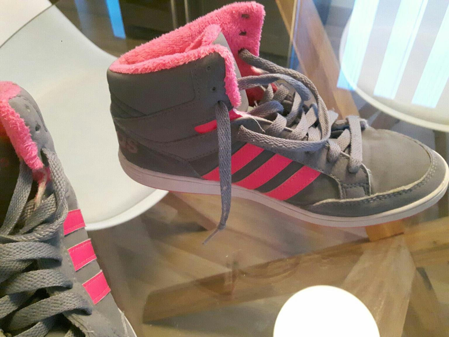 Adidas Mädchen Schuhe in 3300 Amstetten for €12.00 for sale