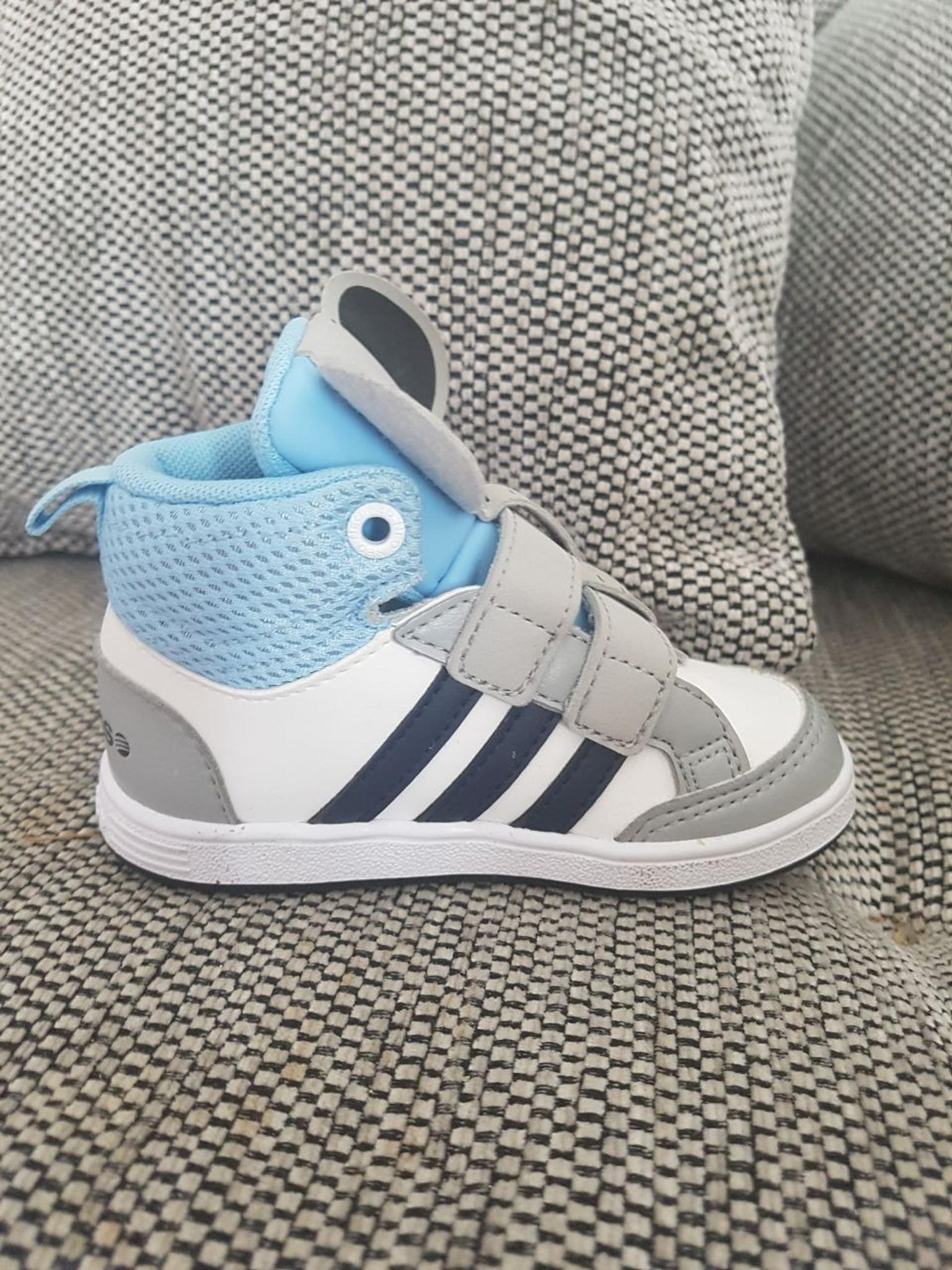 Adidas Schuhe in 46509 Xanten for €25.00 for sale | Shpock