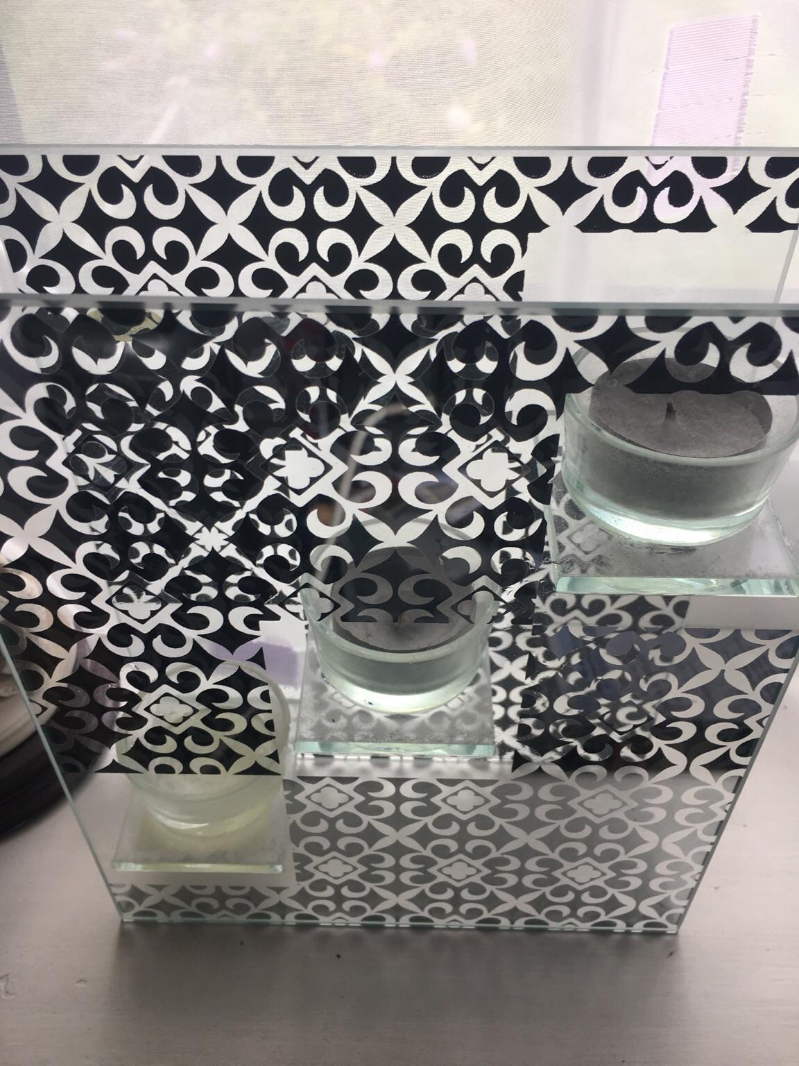 Glass Candle Holder In Kt2 Thames For 5 00 For Sale Shpock