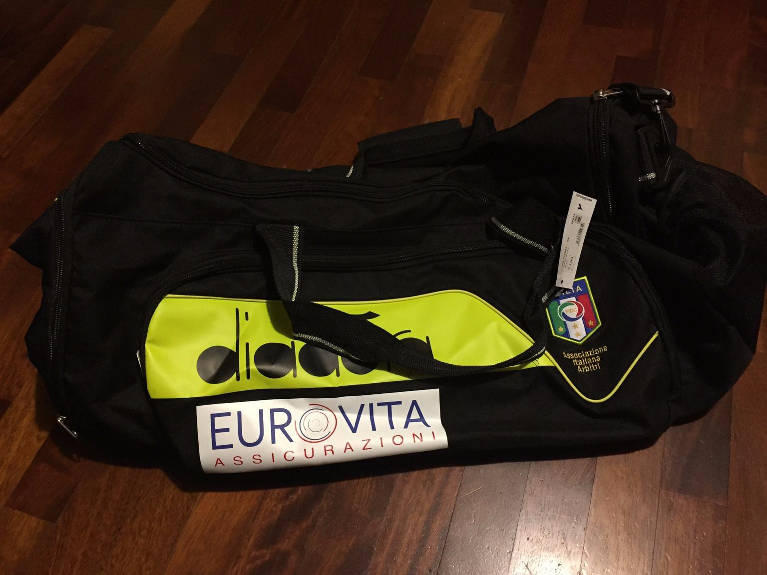 Year affix What's wrong  Borsone AIA Diadora 2017/2018 in Milano for €50.00 for sale   Shpock