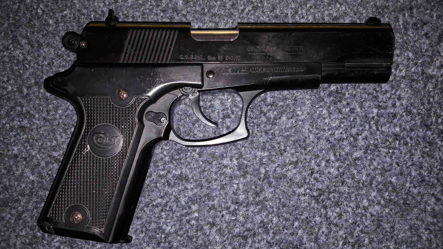 Airsoft Pistole Colt Double Action Series 90 In 38723 Seesen For 30 00 For Sale Shpock