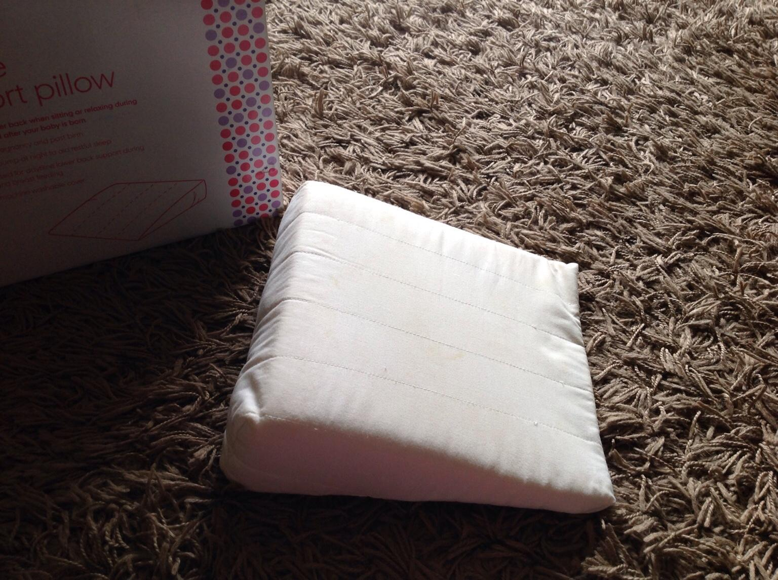 Maternity wedge pillow in Wigan for £5