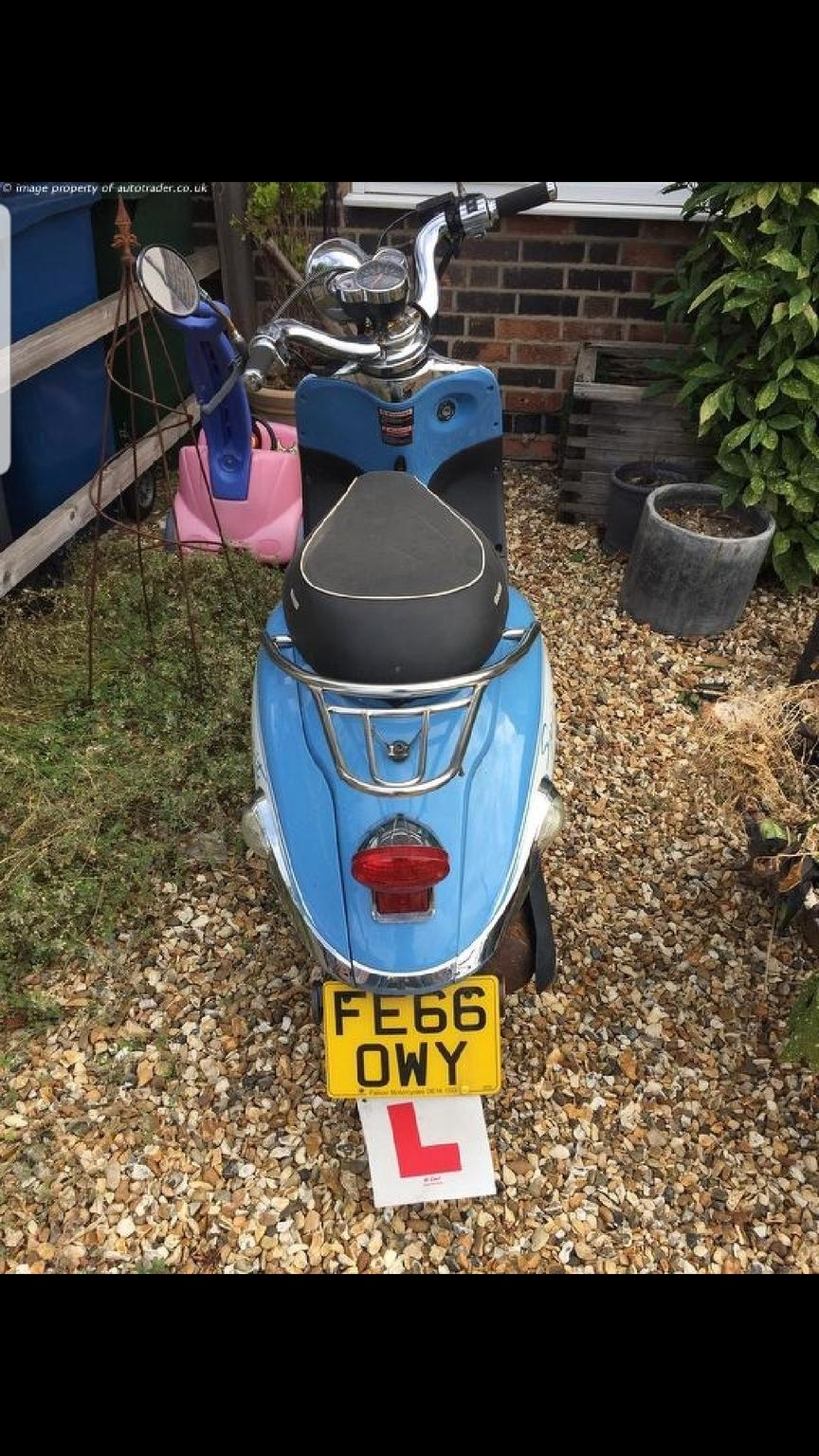 Znen 125cc moped scooter not 50cc px swaps