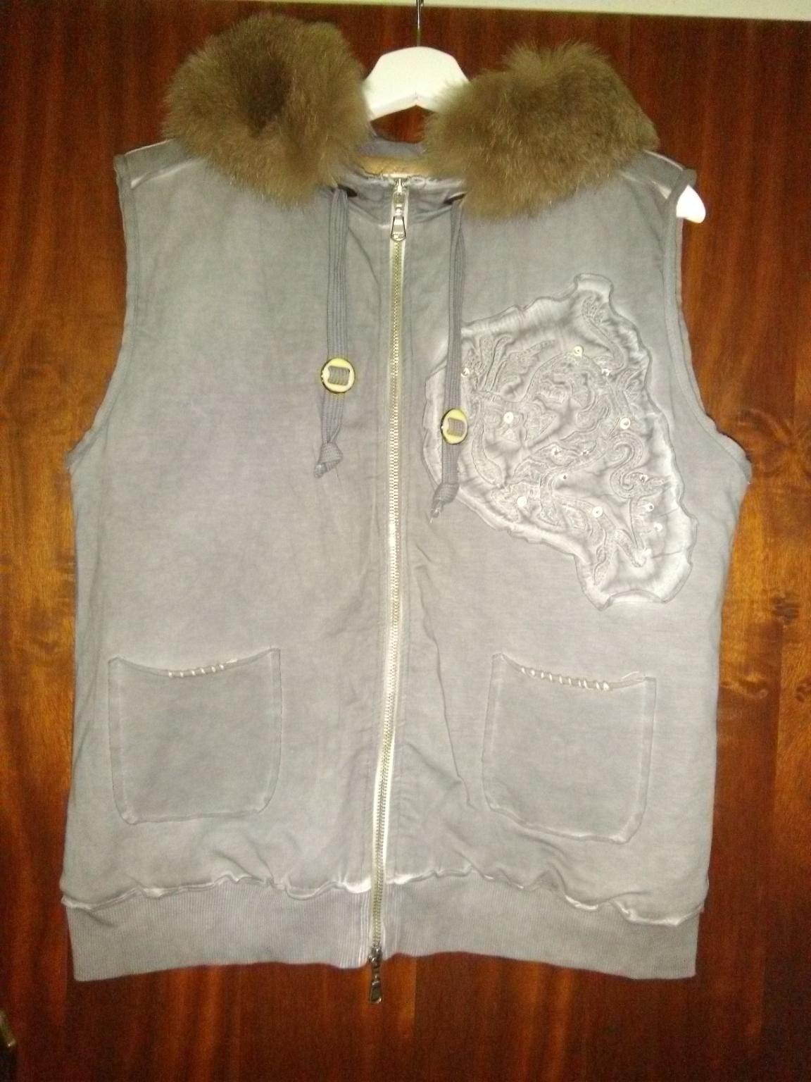 Mantel Moncler 2 in 5400 Hallein for €300.00 for sale   Shpock