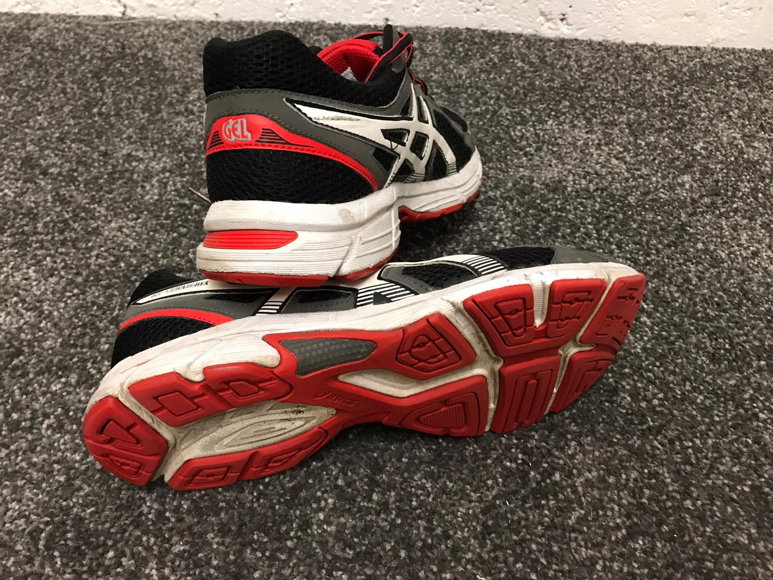 Men's trainers Black & red ASICS UK size 9,