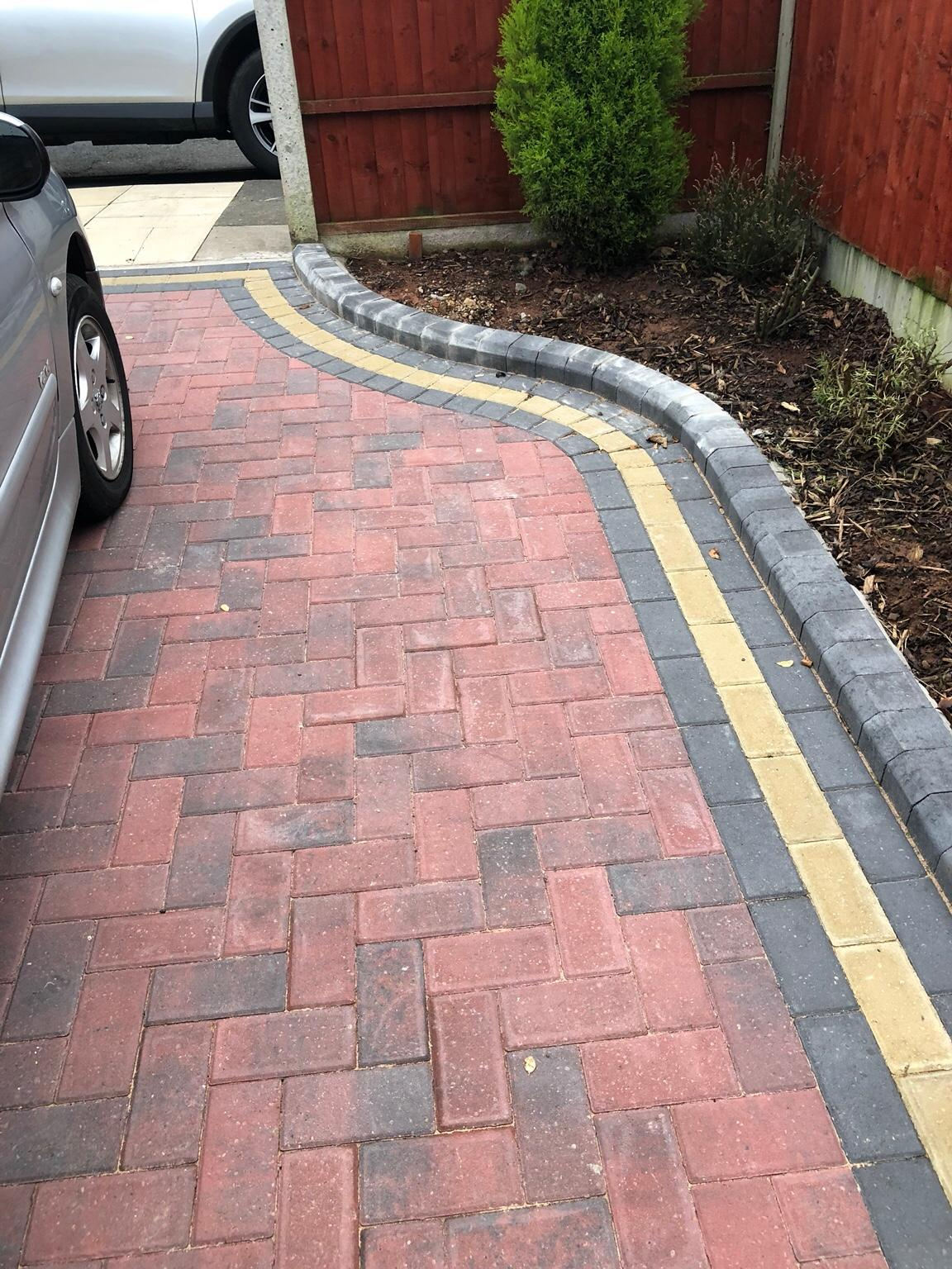 Driveway Kerbs High Block Paving Kerb Edgings in Brindle Garden Collected