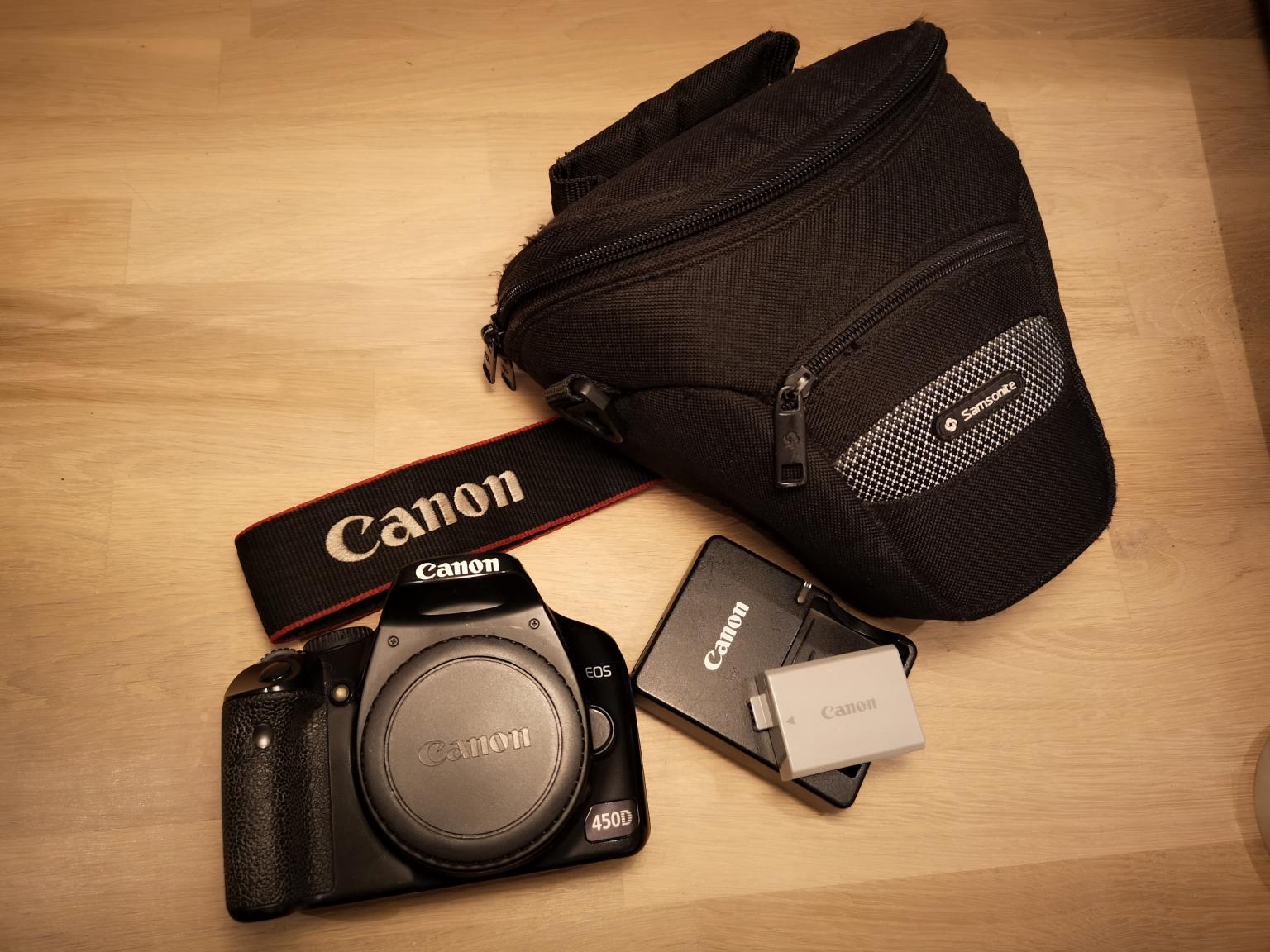 Canon 450D body with case