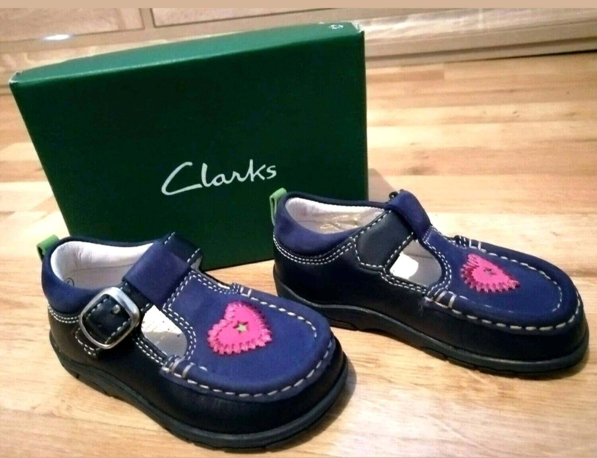 Clarks infant size 4.5 shoes girls Navy in ST7-Lyme for £ ...
