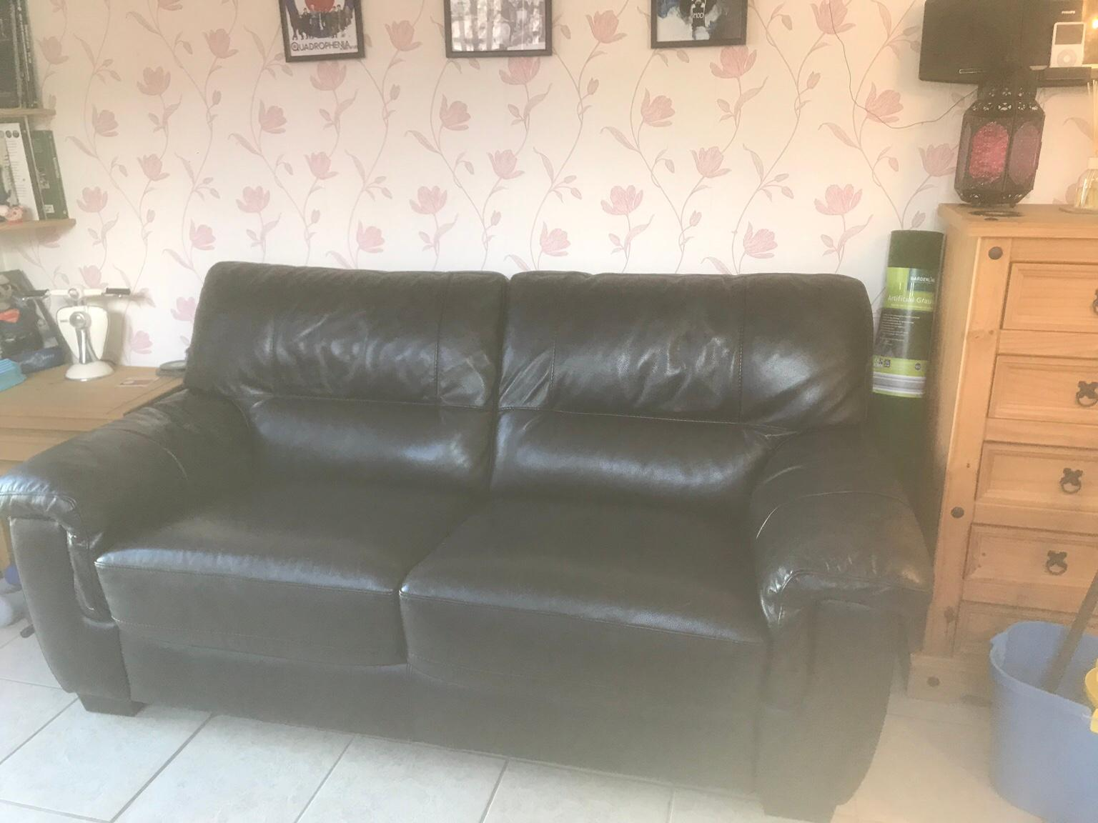 Picture of: Dfs Leather Sofa Bed In Black In Ln6 Kesteven For 520 00 For Sale Shpock