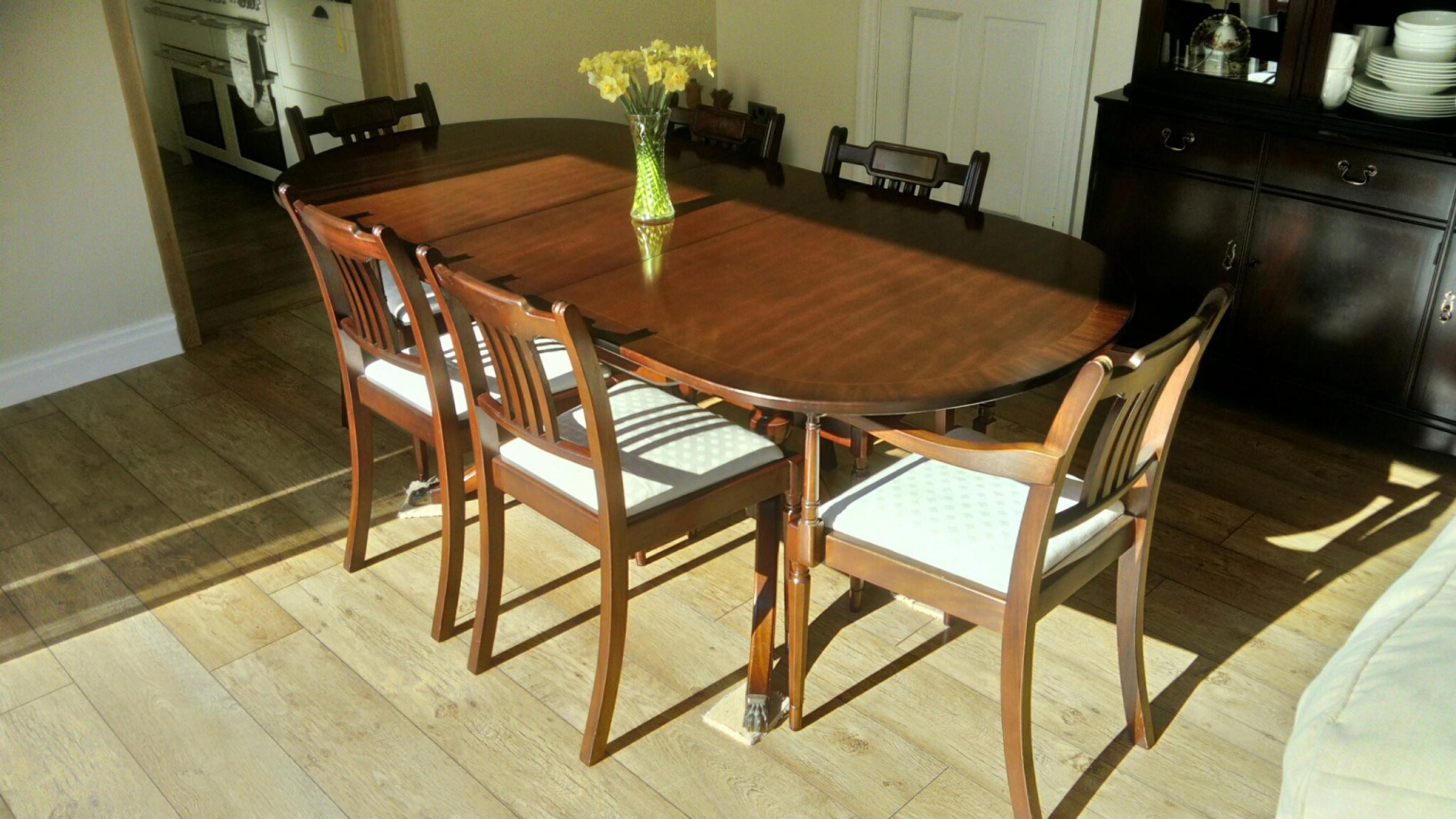 Magnificent Dining Table And 6 Chairs Including 2 Carvers Beutiful Home Inspiration Xortanetmahrainfo