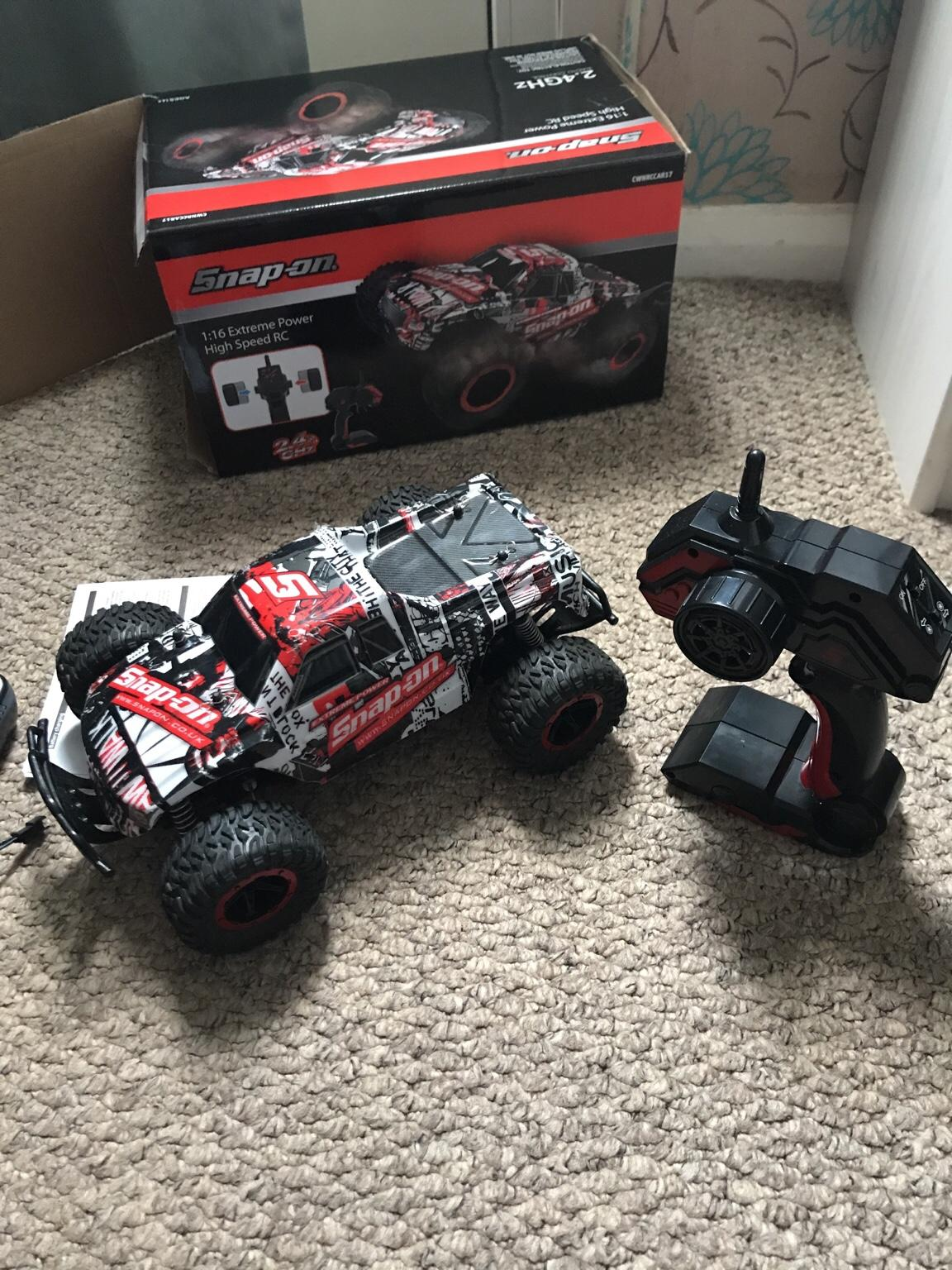 Snap on radio control car