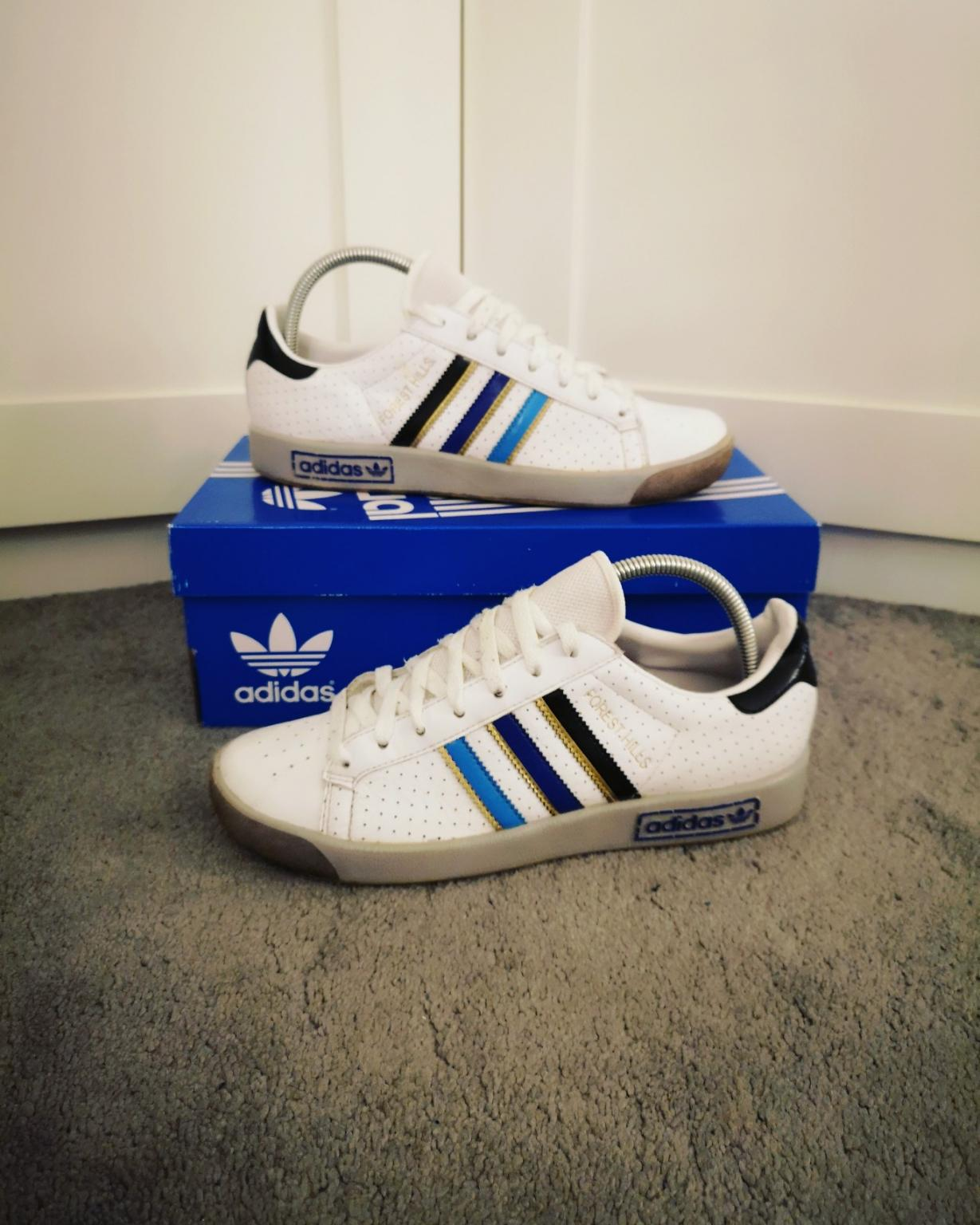 White Adidas trainers size 10 in DE55