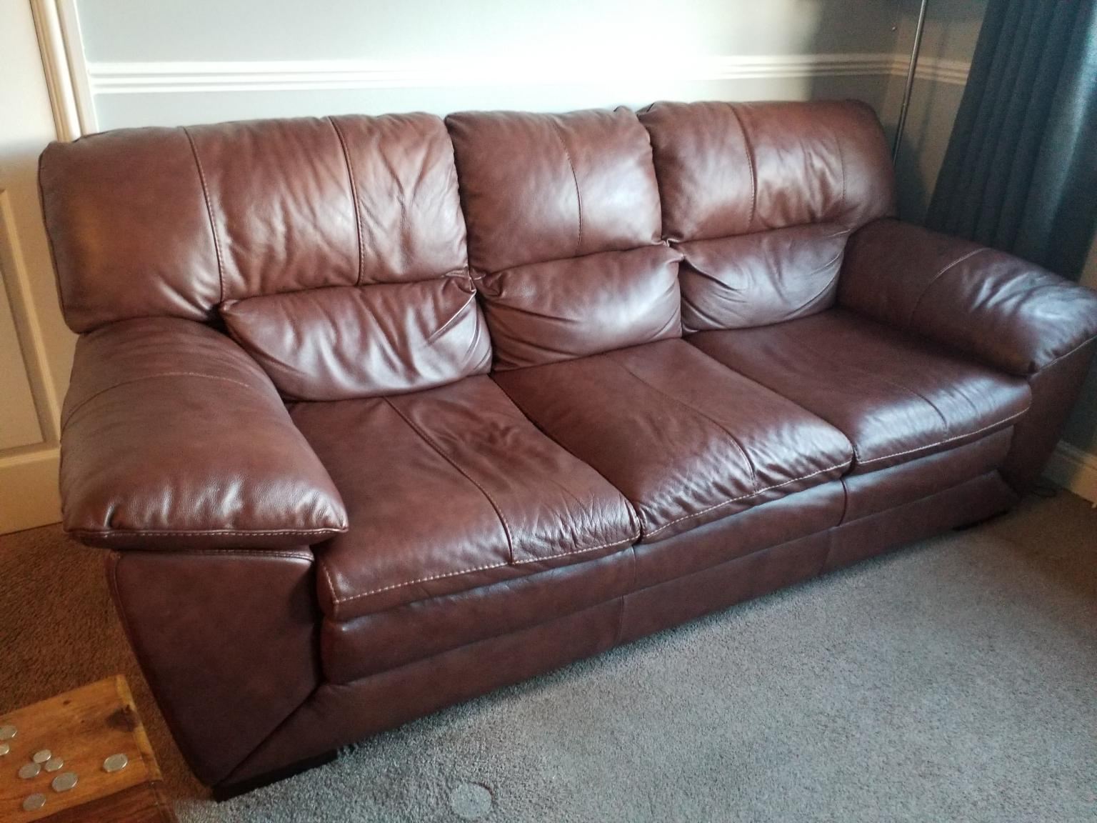 Leather Sofa Dfs In Ol7 Tameside For 175 00 For Sale Shpock