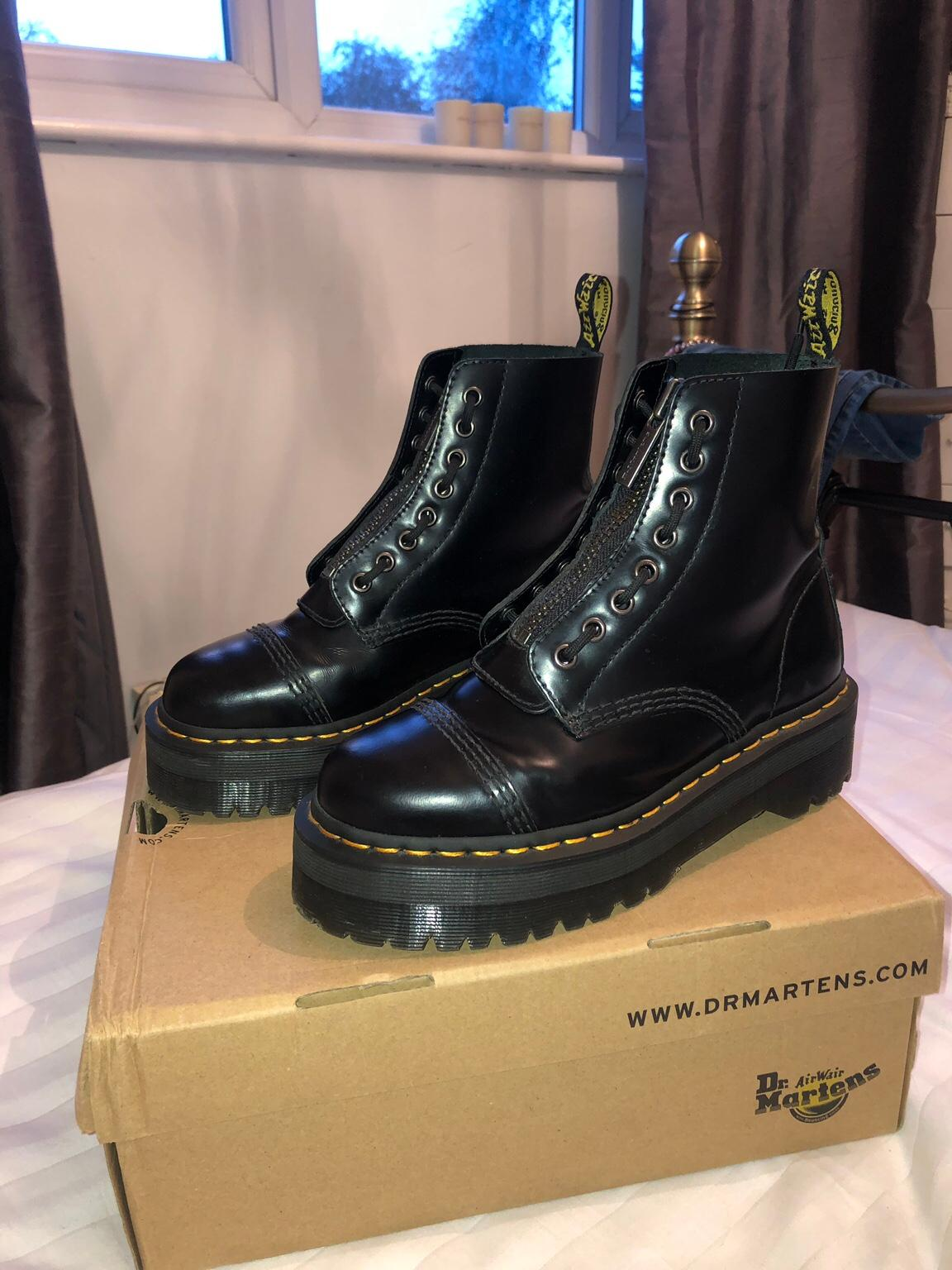 Dr Martens Sinclair Platform Size 5 In Epping Forest For 163