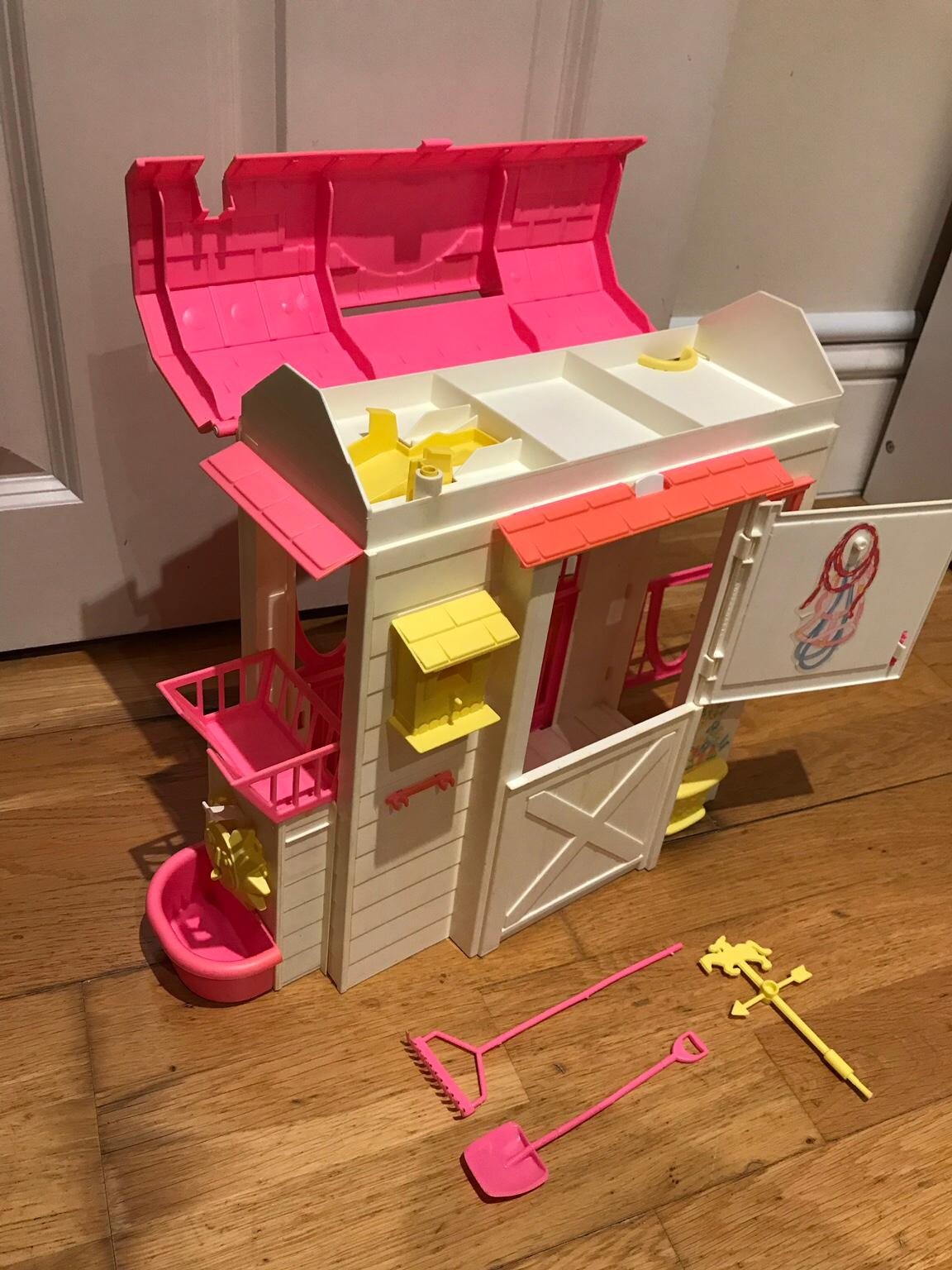 Vintage 1996 Barbie Feeding Fun Horse Stable In Tw11 Thames For 14 00 For Sale Shpock