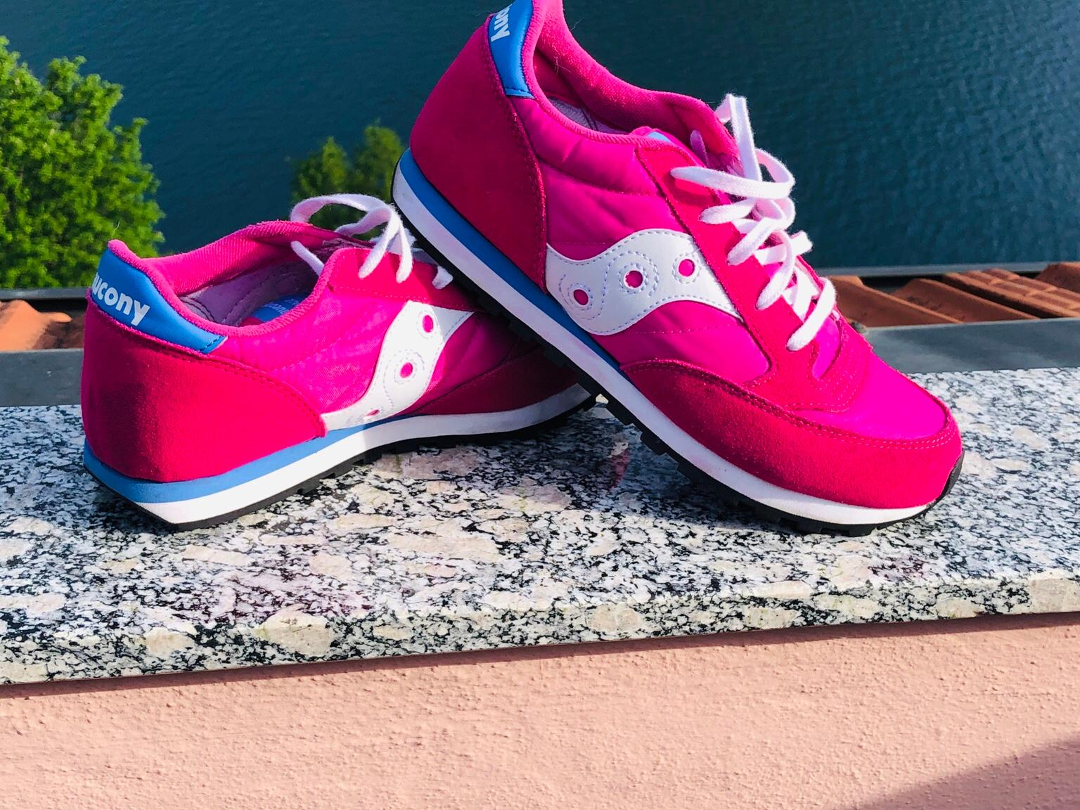 SAUCONY JAZZ RED NUOVE ! in 22020 Torno for €60.00 for sale