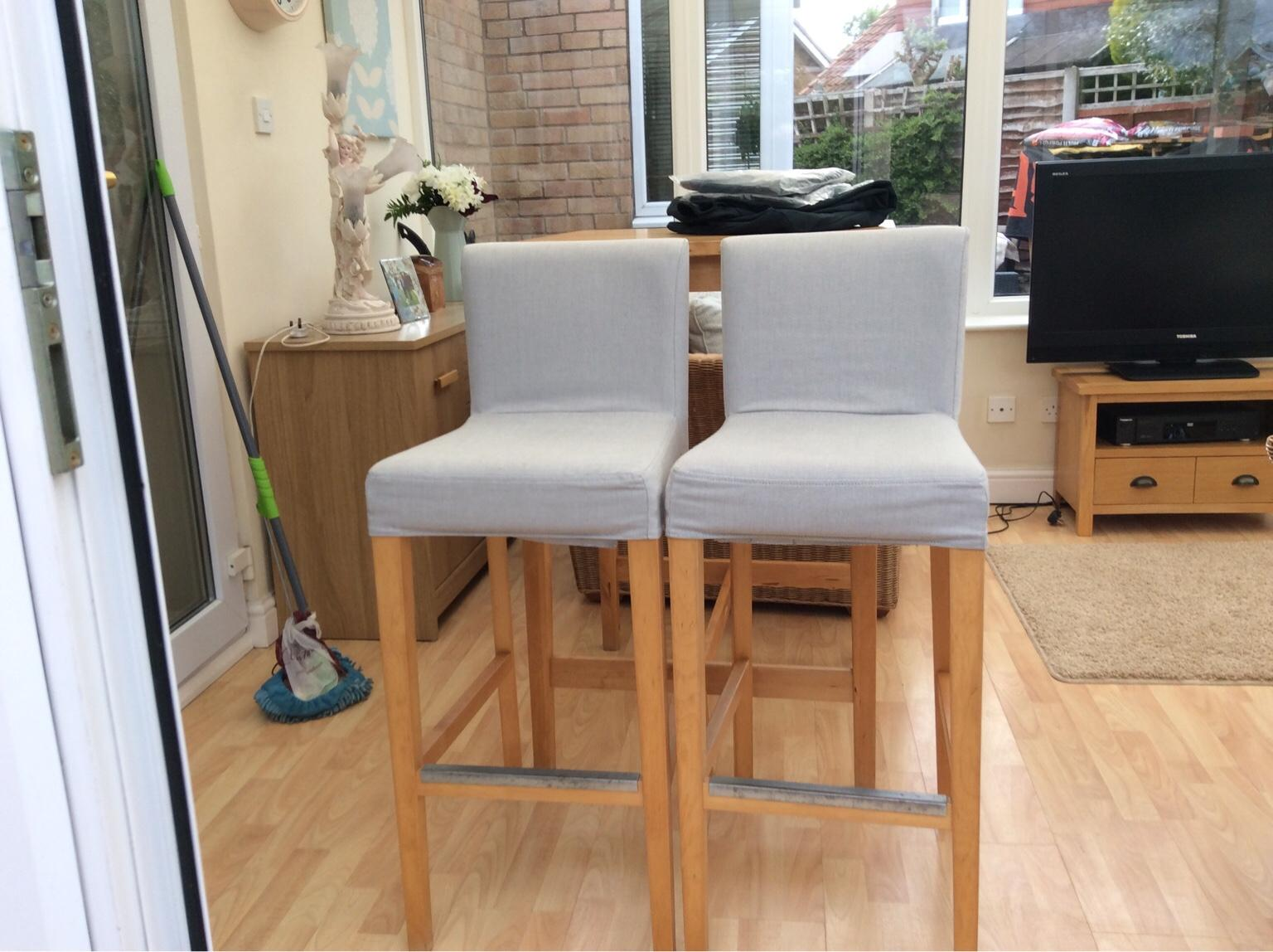 more photos ff2ec 304d8 Ikea Breakfast Bar and Two Stools
