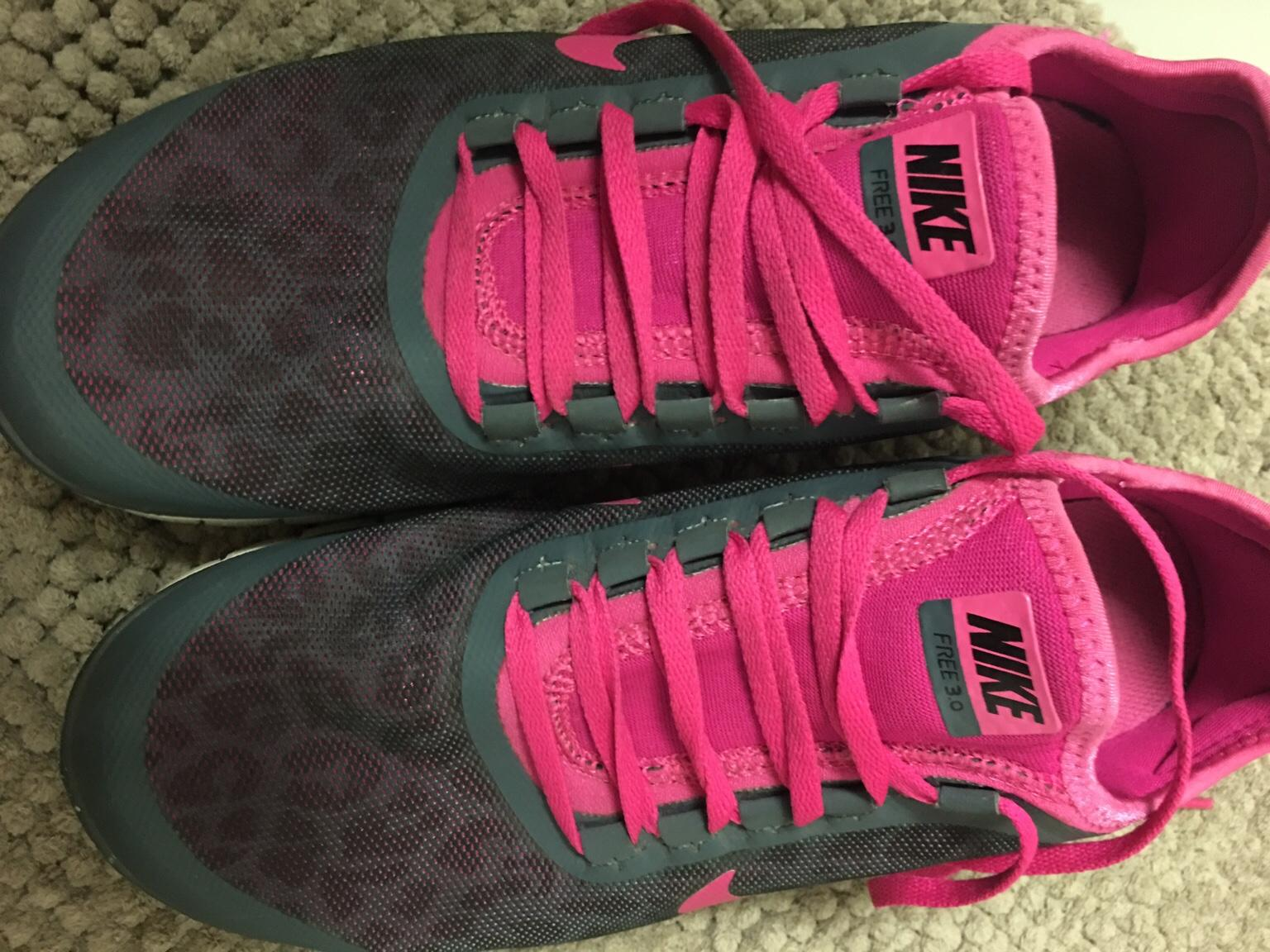 Nike Leopardmuster pink in 55122 Mainz for €46.00 for sale
