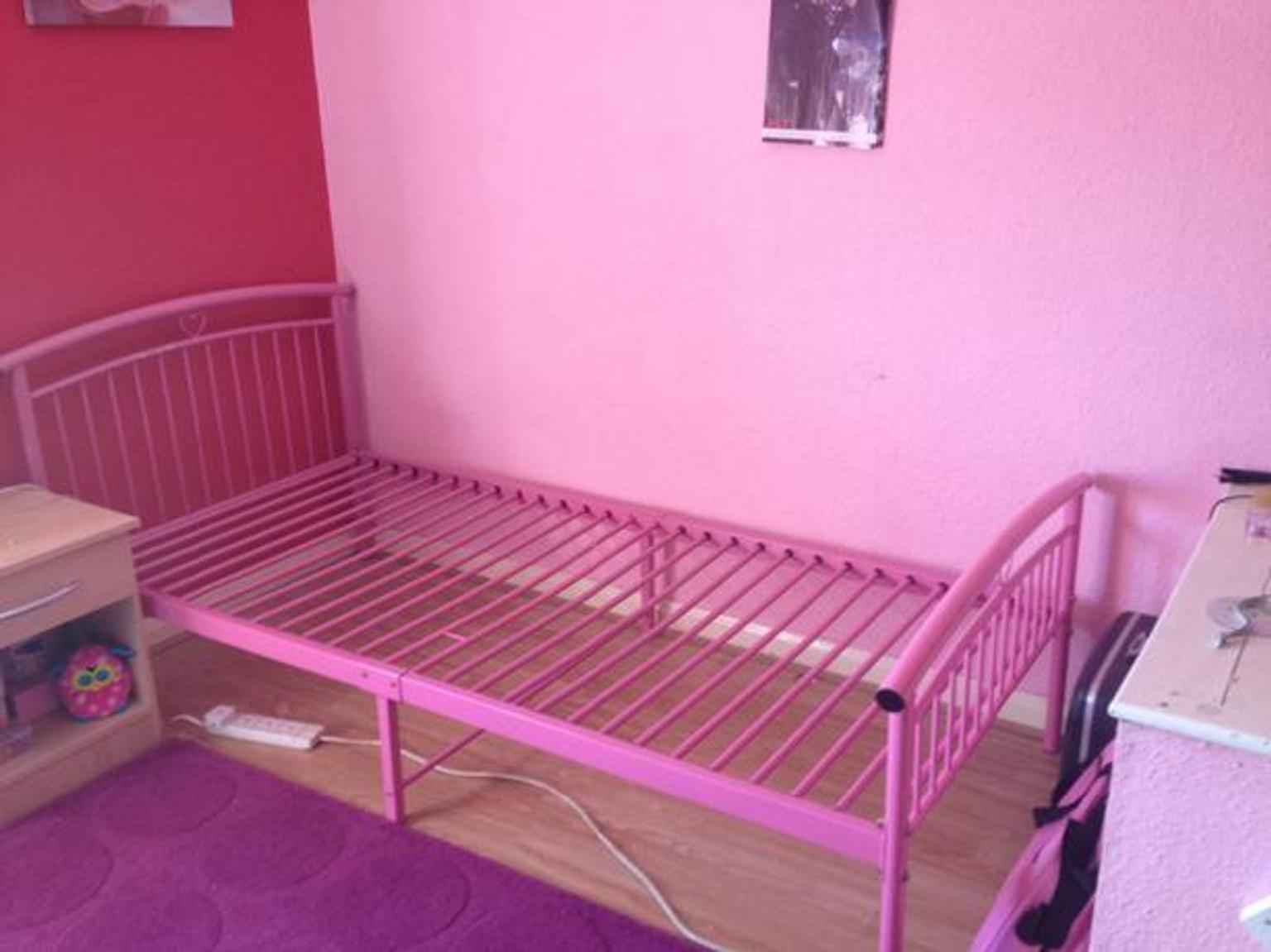 Pink Metal Single Bed Frame In B43 Walsall For 20 00 For Sale Shpock