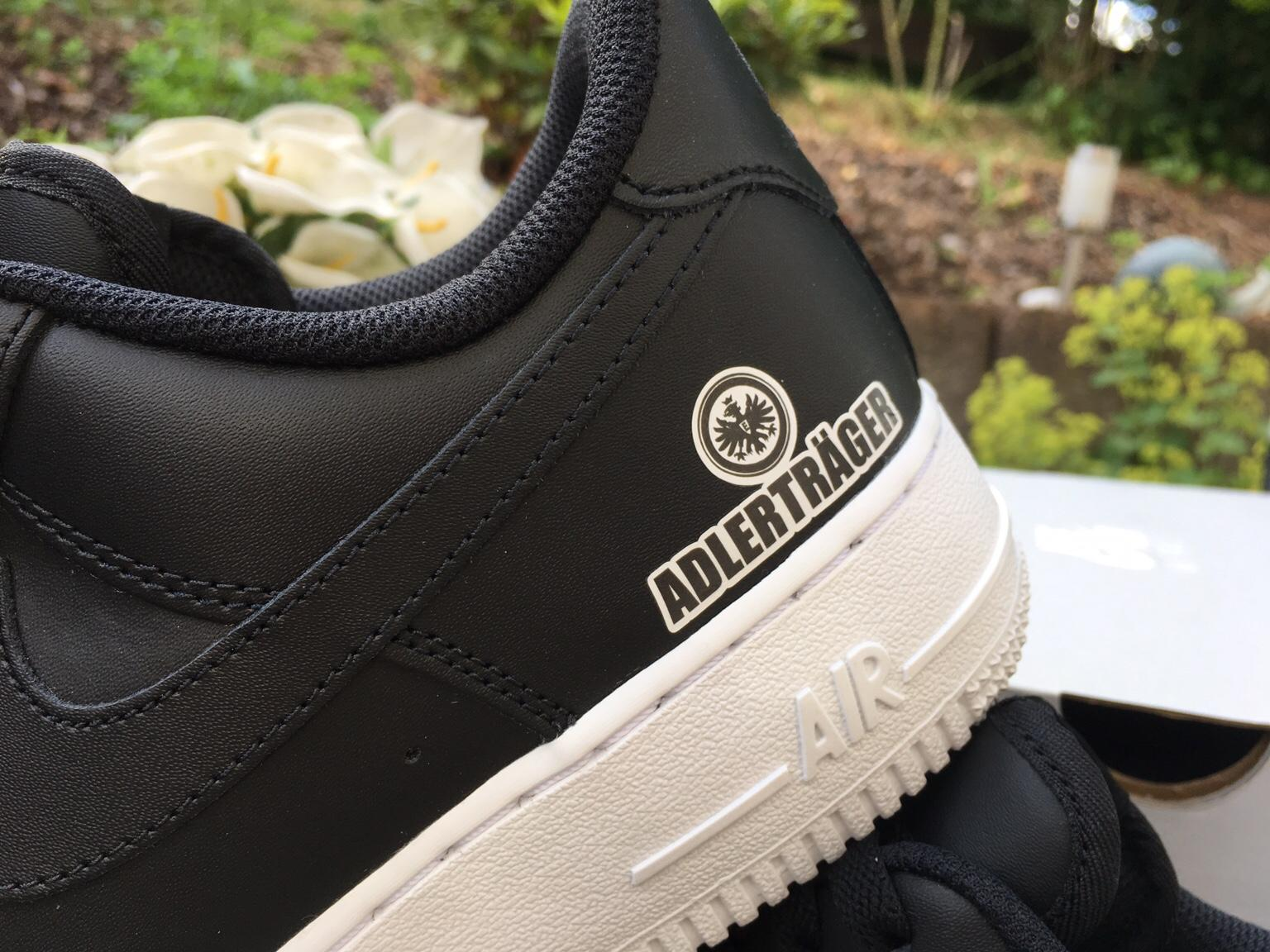 Adlerträger Nike Air Force one limitiert