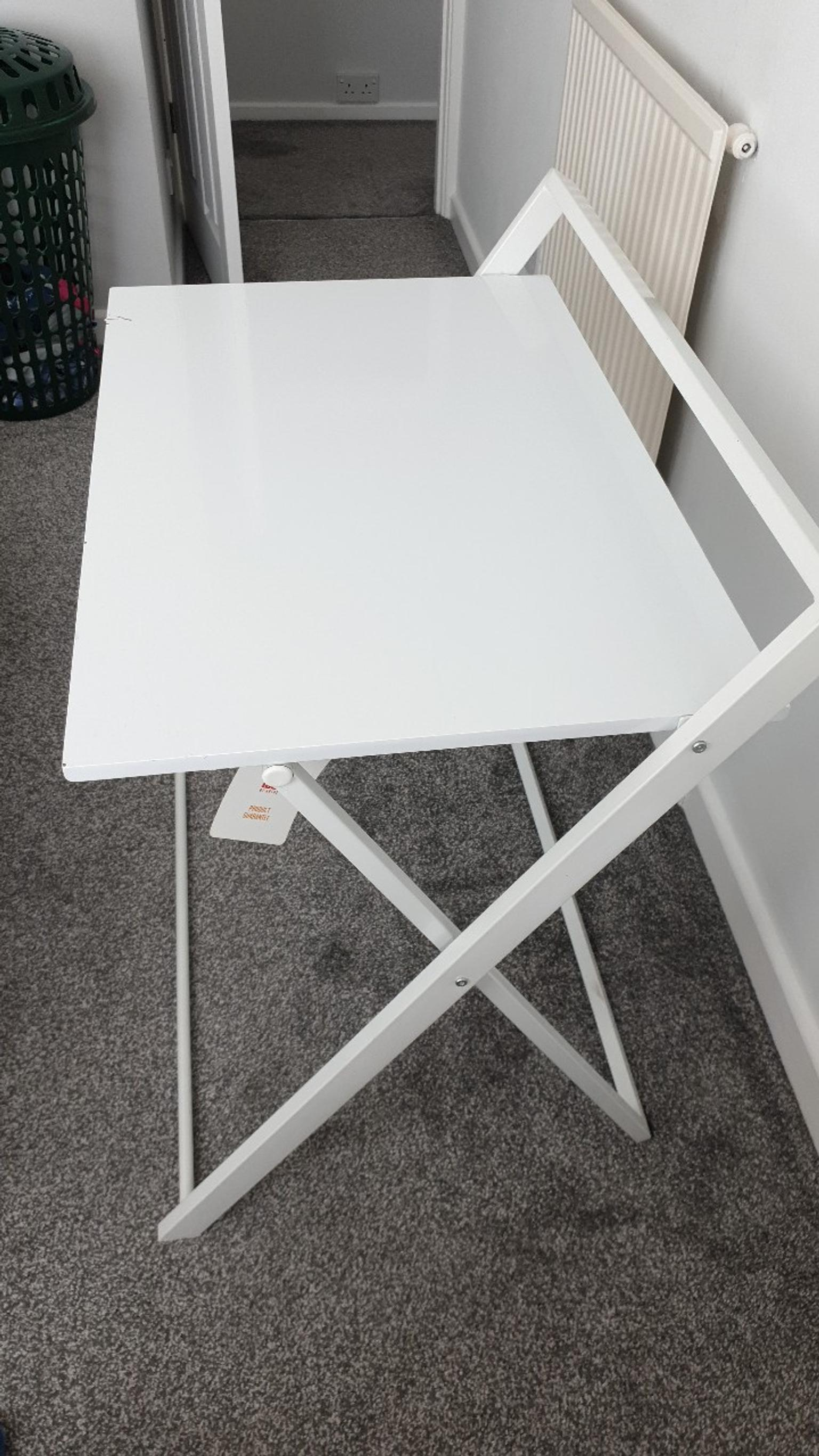 Metal Folding Table In S61 Rotherham For 5 00 For Sale Shpock