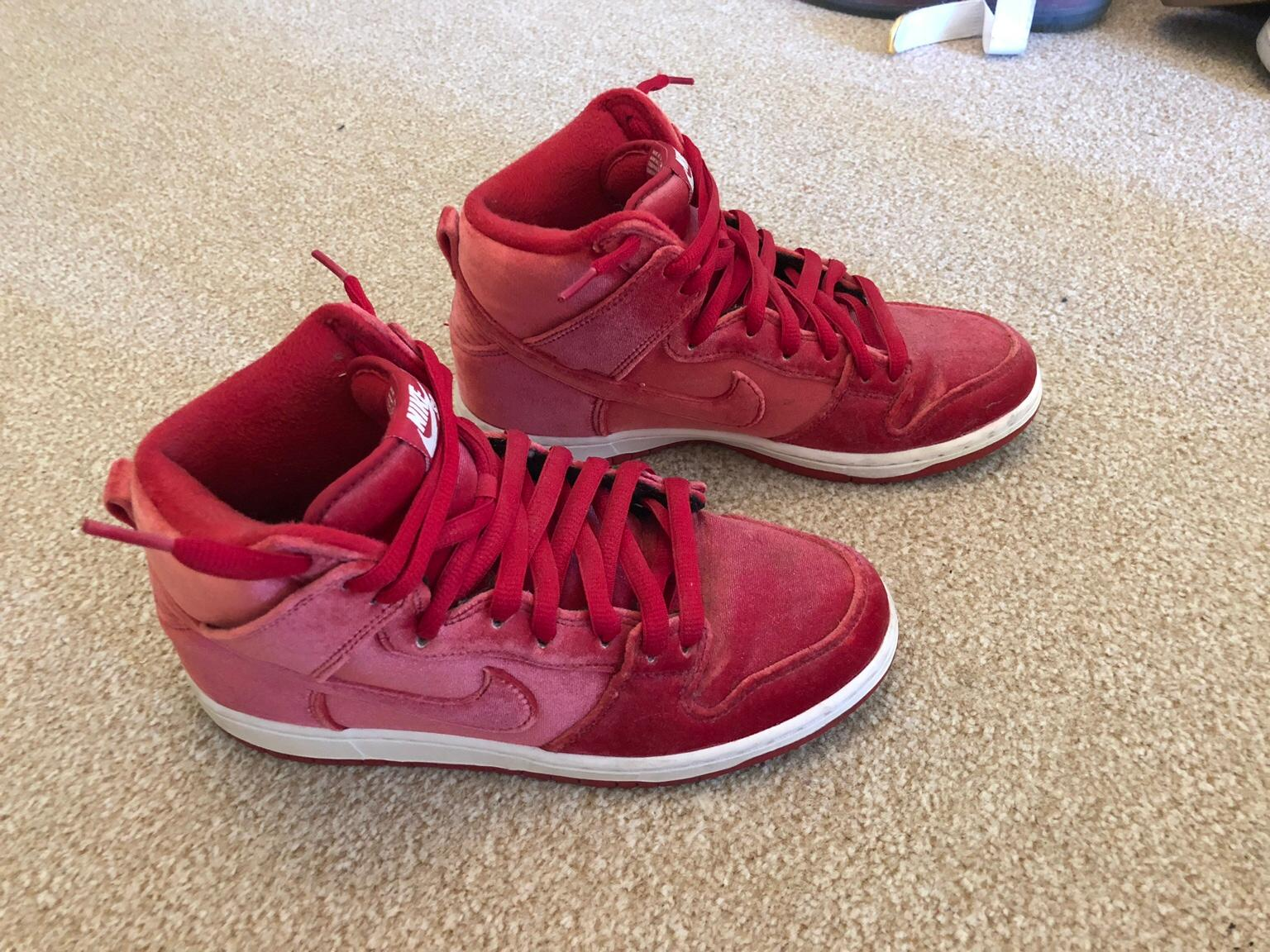 quality design 36733 6d4c9 Nike SB high dunk red velvet trainers size 6