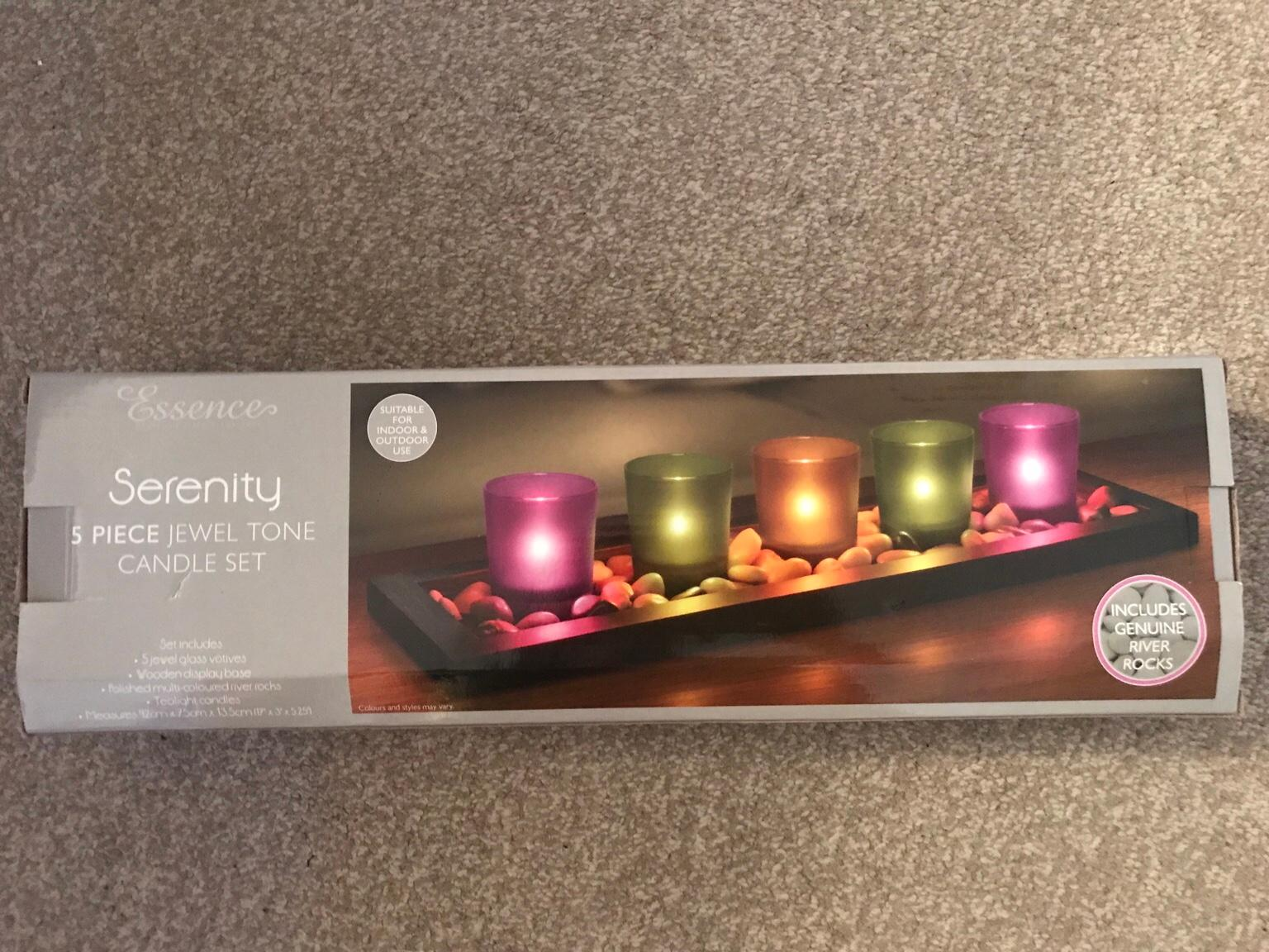 Essence 4 pieces Candle Set with wooden base and Tealights