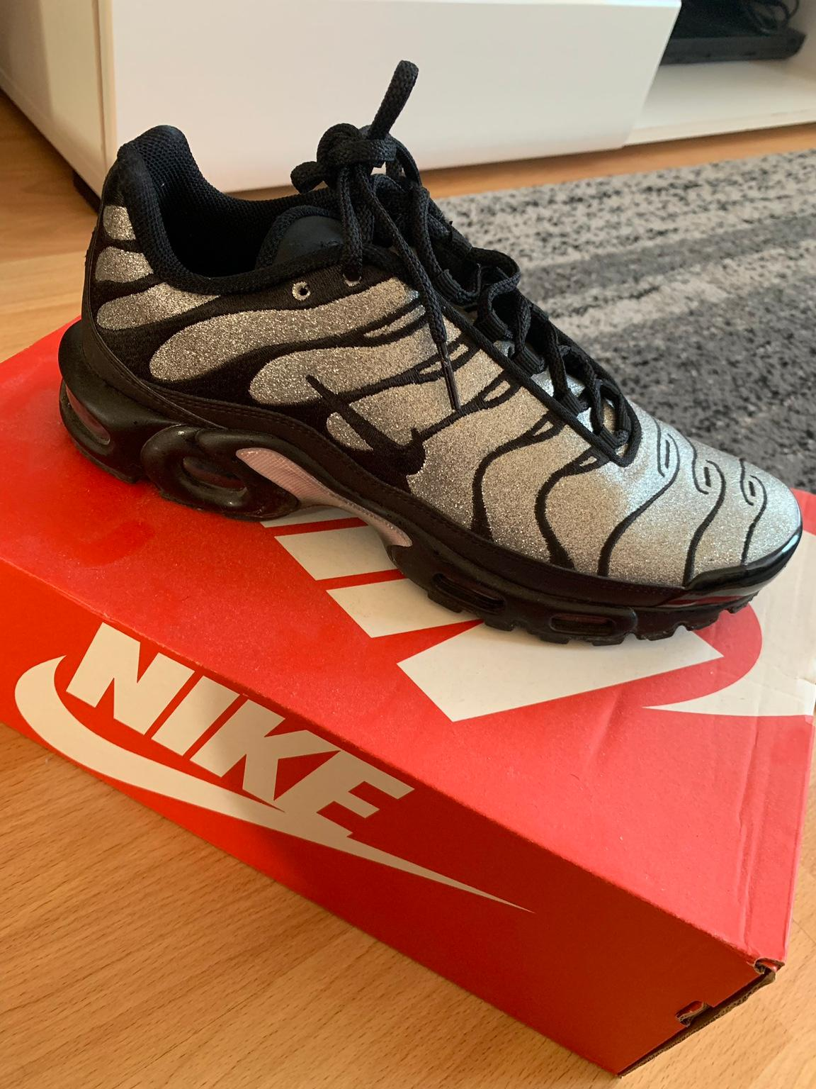 angebote Turnschuhe haifisch nikes