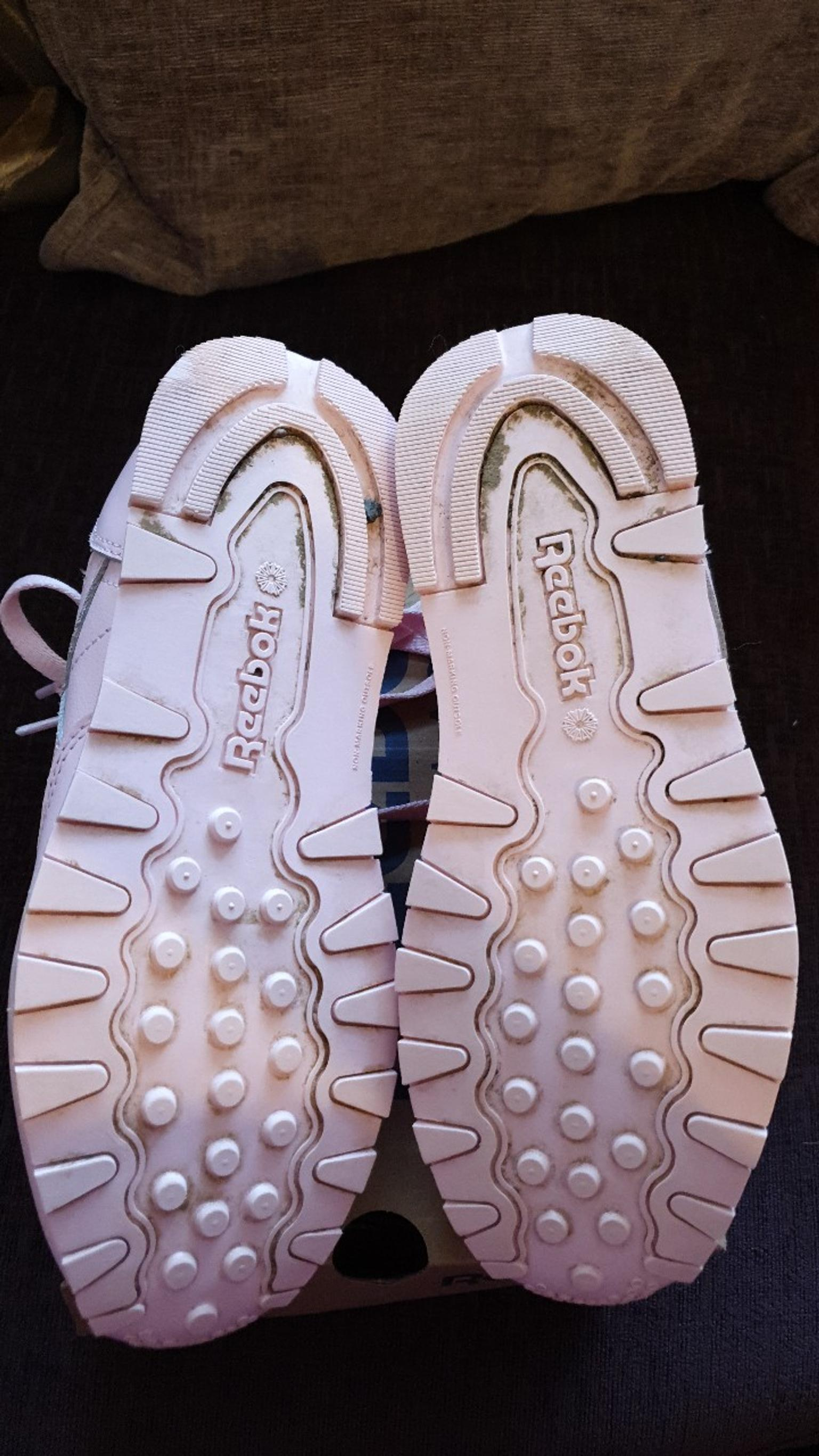 Reebok classic pink trainers size 3