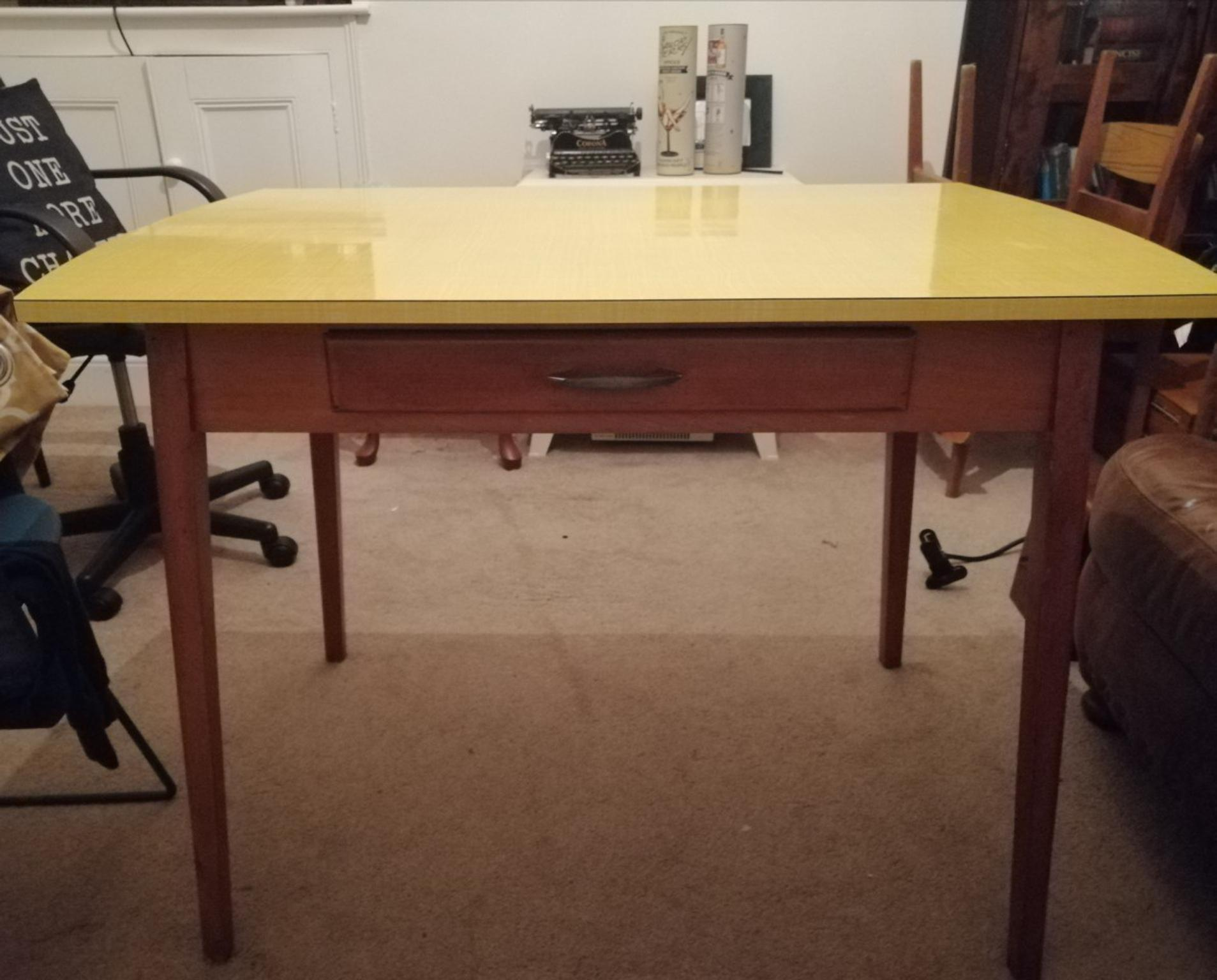 Dining Kitchen Table In Doncaster For 85 00 For Sale Shpock