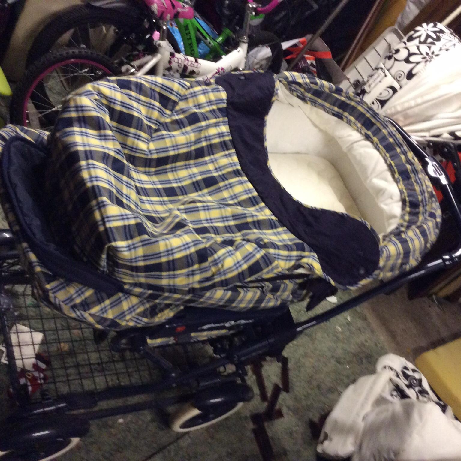 Mama and papa pram in B77 Tamworth for £23.00 for sale ...
