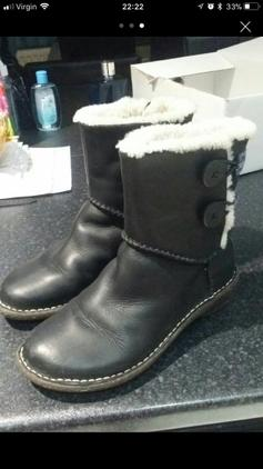 1a4f953258c Black boots size 4.5 in B70 Sandwell for £5.00 for sale - Shpock