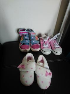 4e1bf62f98e slippers and shoes in NR30 Yarmouth for £2.00 for sale - Shpock