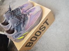 74792510ff4 Yeezy 700 Mauve UK 9 in EC3A for £279.00 for sale - Shpock
