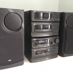 JVC Compact Component System MX-GB6 in LU5 Regis for £45 00