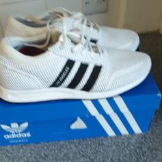 Adidas Los Angeles UK 9.5 in L9 Liverpool for £25.00 for