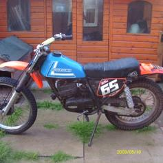 Suzuki TS 185 ( 1970's ) in ST6-Trent for £1 00 for sale