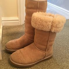 65a040ceb8e Ugg original Noira boots in SN5 Swindon for £59.00 for sale - Shpock