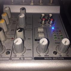 BEHRINGER EURORACK MX 1804X 10 chanells in LE5 Leicester for